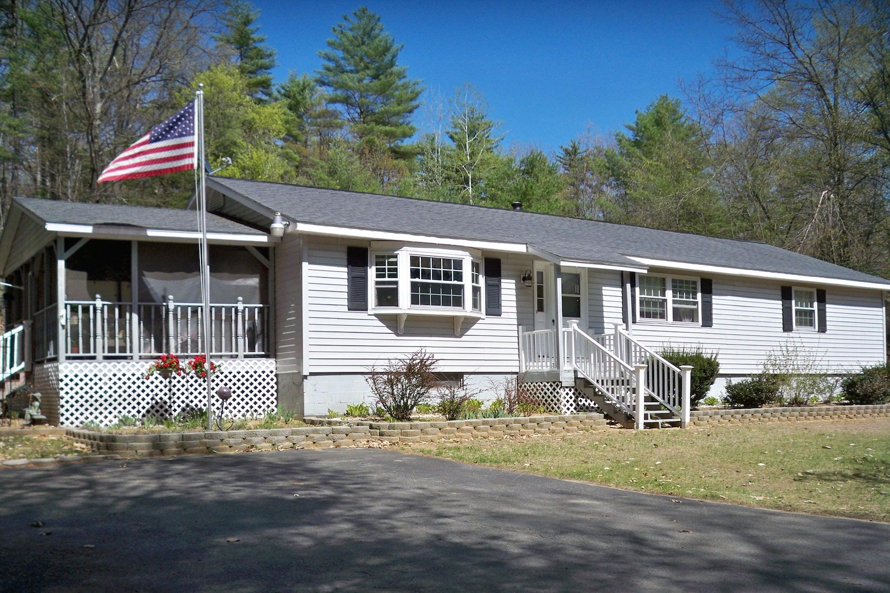 Nhà ở một gia đình vì Bán tại One Level Living on Private 2.63 Acre Lot 41 Louden Rd Saratoga Springs, New York 12866 Hoa Kỳ