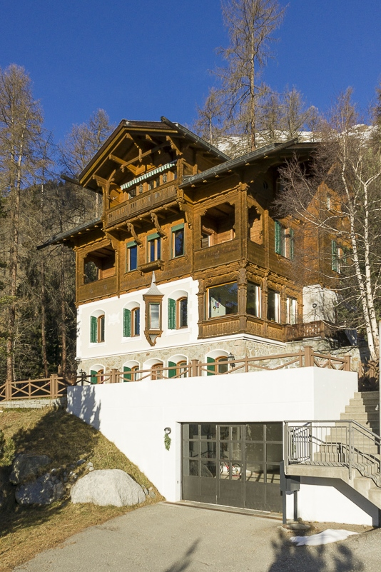Single Family Home for Sale at Unique 10.5 room villa with spectacular view to the Rosegg valley Pontresina Other Grisons, Grisons 7504 Switzerland