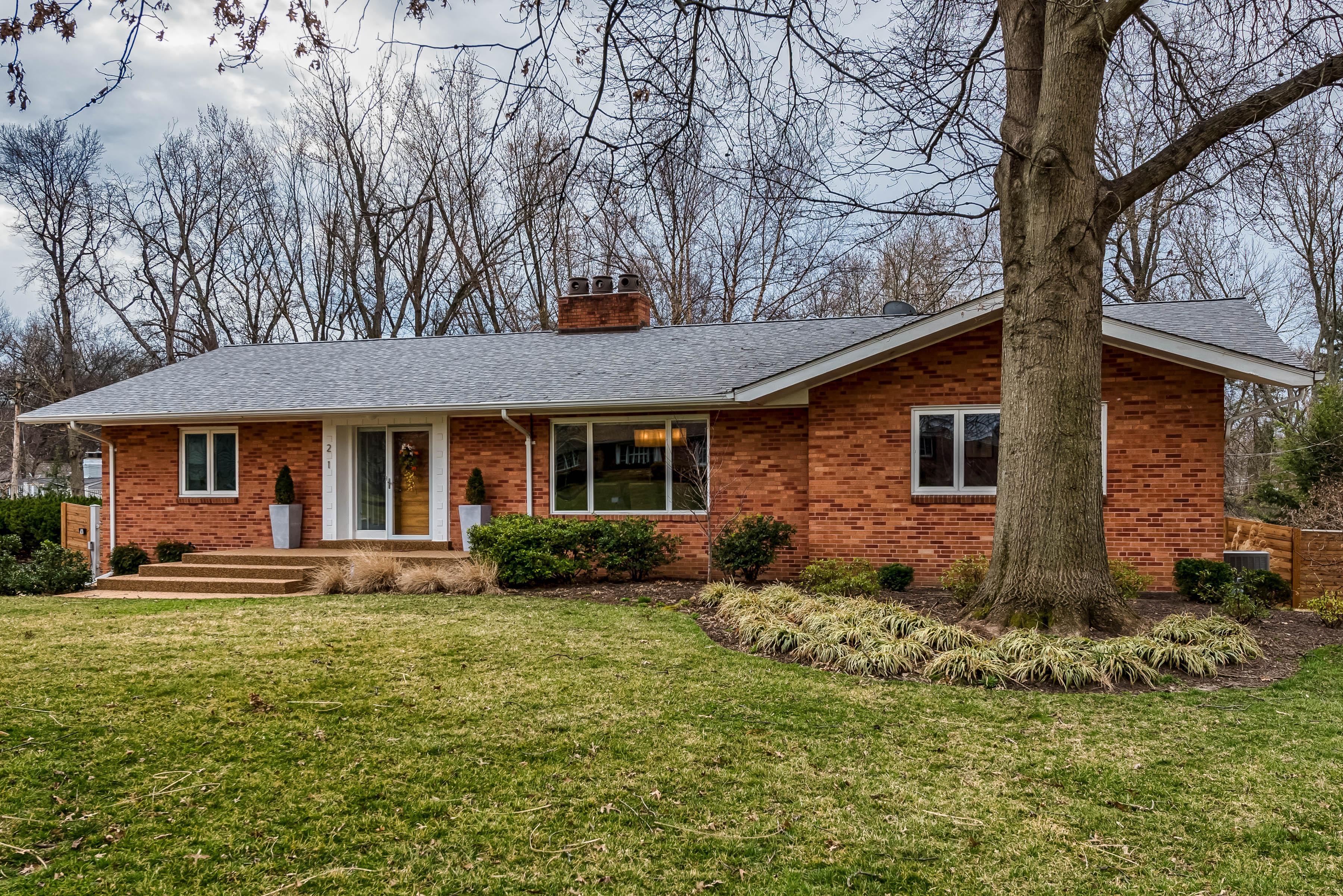 Single Family Home for Sale at Ladue Ridge 21 Ladue Ridge St. Louis, Missouri, 63124 United States