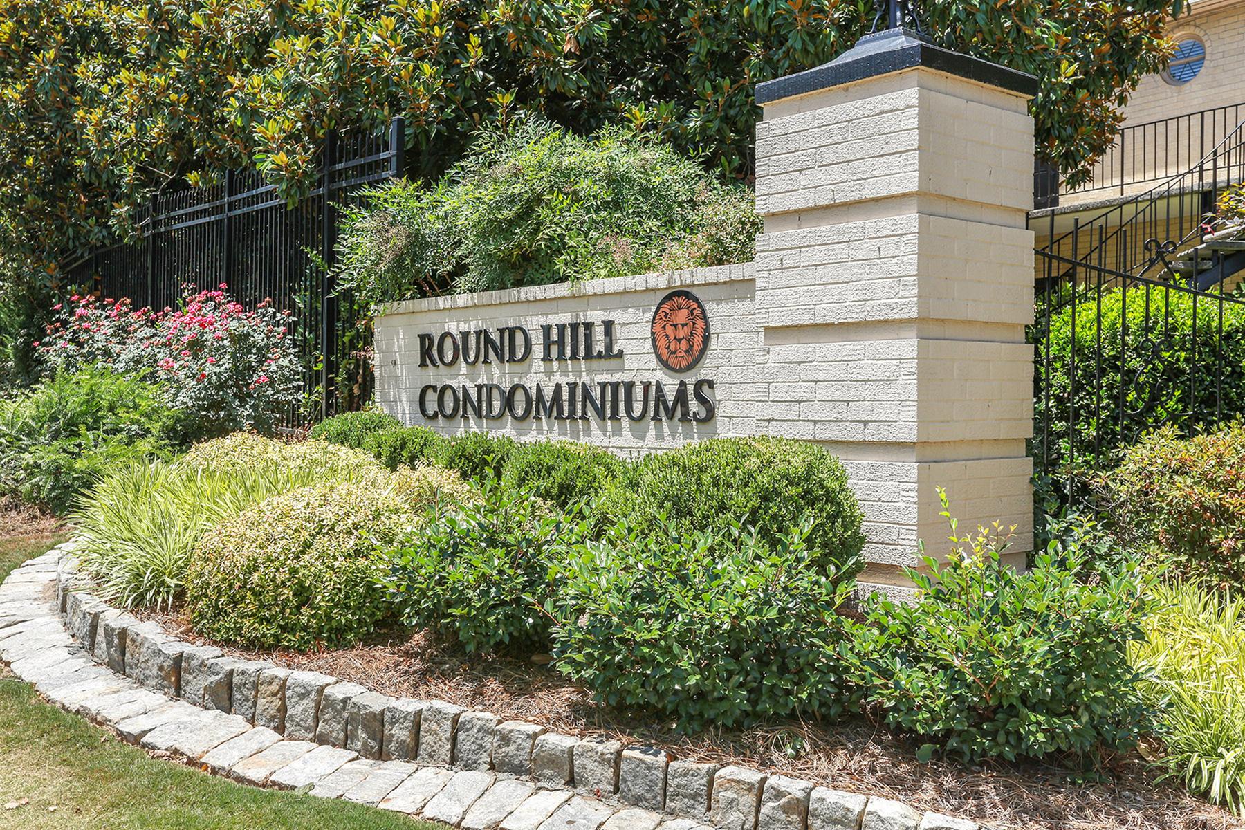 Vivienda unifamiliar por un Venta en Wonderful Top Level, Corner Unit In The Heart Of Sandy Springs 5400 Roswell Road Unit H1 Atlanta, Georgia, 30342 Estados Unidos