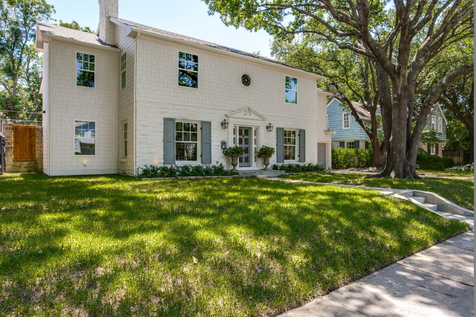 Moradia para Venda às West Highland Park, Updated, Remodeled 4633 Edmondson Avenue Dallas, Texas, 75209 Estados Unidos