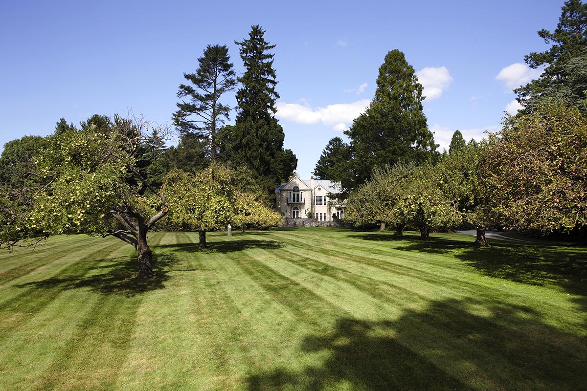 独户住宅 为 销售 在 Estates at Alpine 2 Frick Dr 阿尔派恩, 新泽西州, 07620 美国