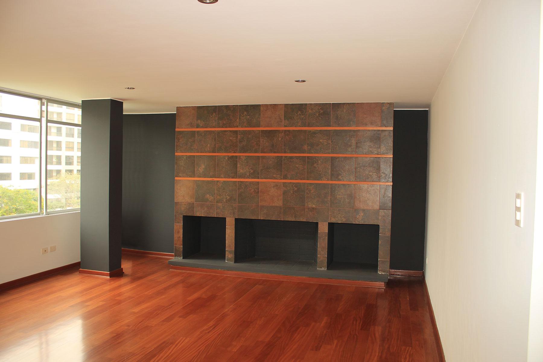 Property Of Excelente departamento remodelado con amplios ambientes