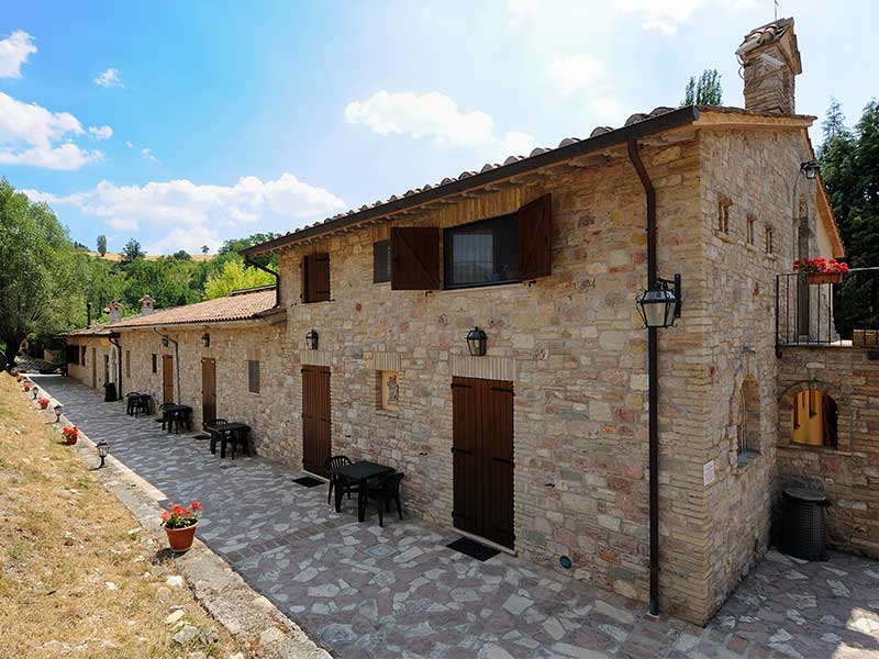 Property For Sale at Hamlet with land close to Assisi