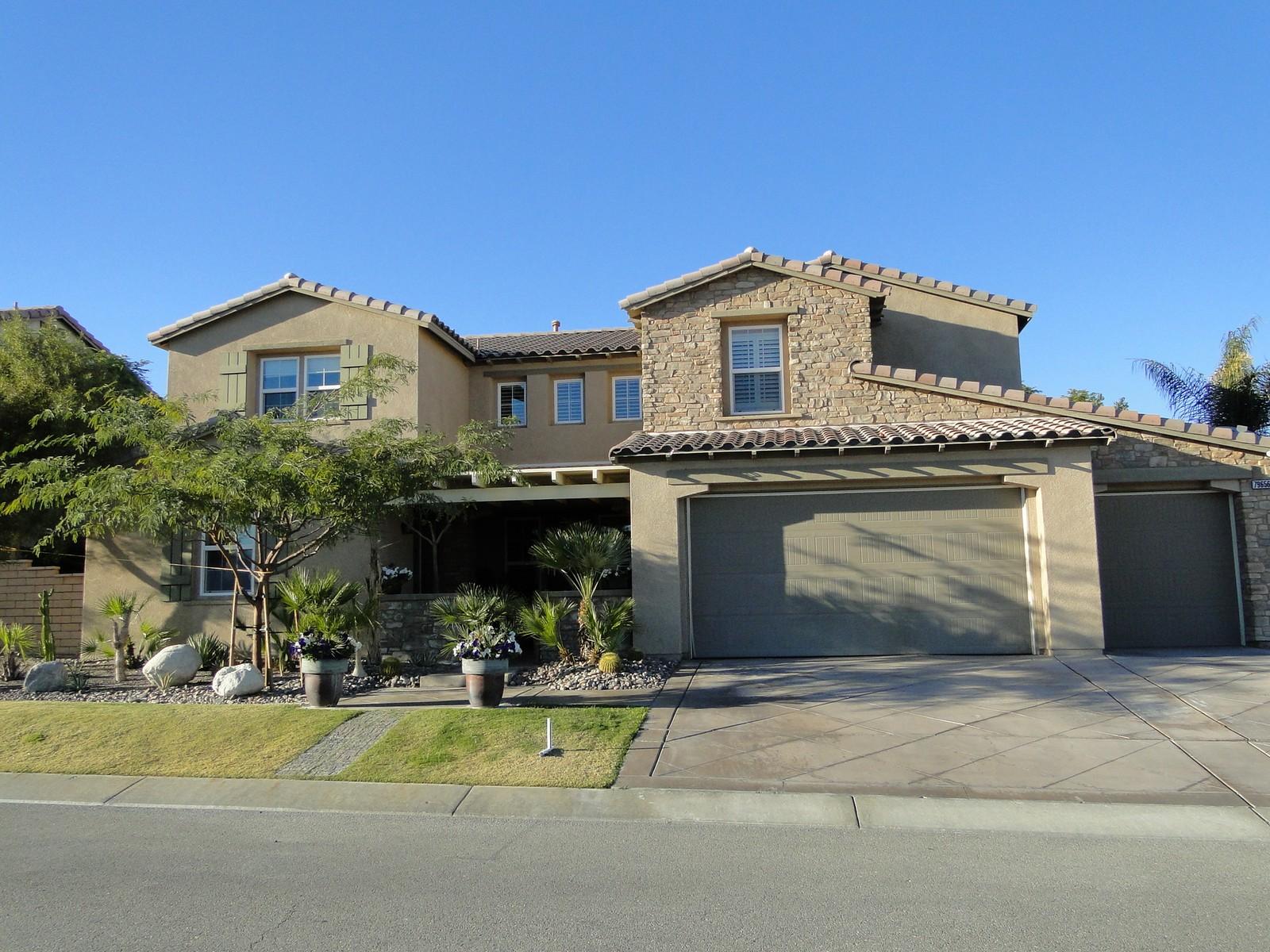 Maison unifamiliale pour l Vente à 79656 Oxford Drive Indio, Californie 92203 États-Unis