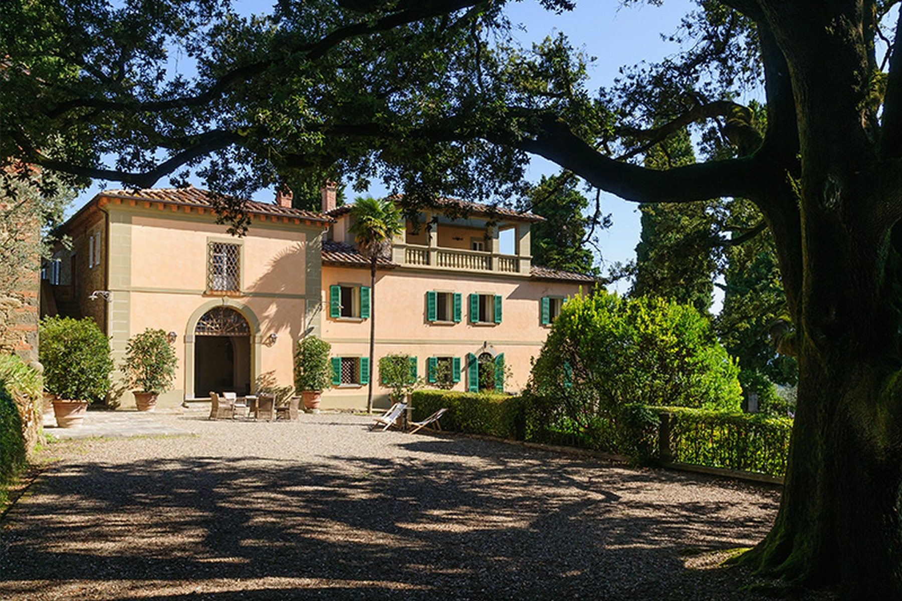 Additional photo for property listing at Splendid villa between Siena and Arezzo Monte San Savino Arezzo, Arezzo 52048 Italy