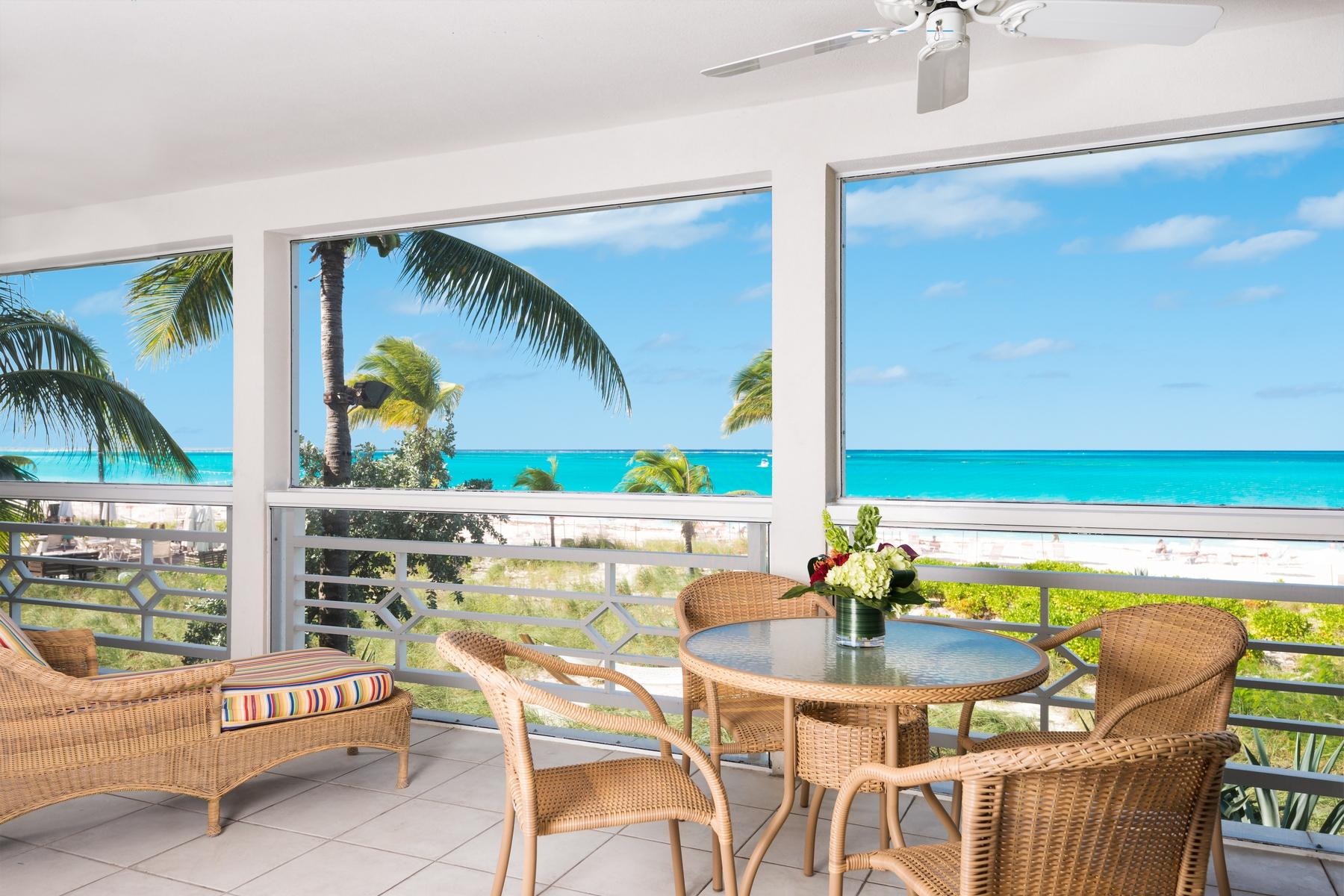 Condomínio para Venda às Ocean Club West - Suite 123 Oceanfront Grace Bay, Providenciales TCI Turks E Caicos