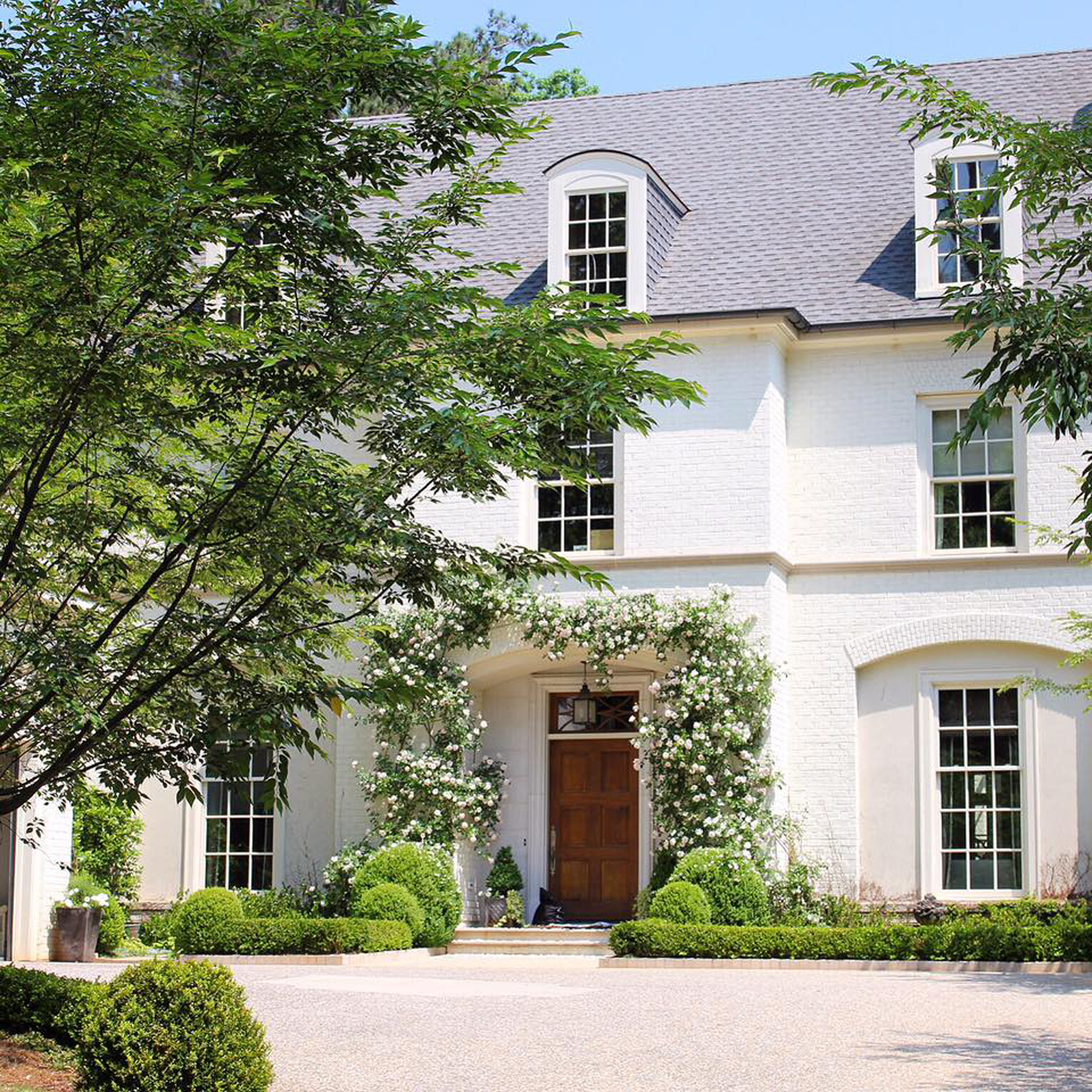 Moradia para Venda às Most Beautiful Backyard In Buckhead 155 Blackland Road NW Buckhead, Atlanta, Geórgia, 30342 Estados Unidos