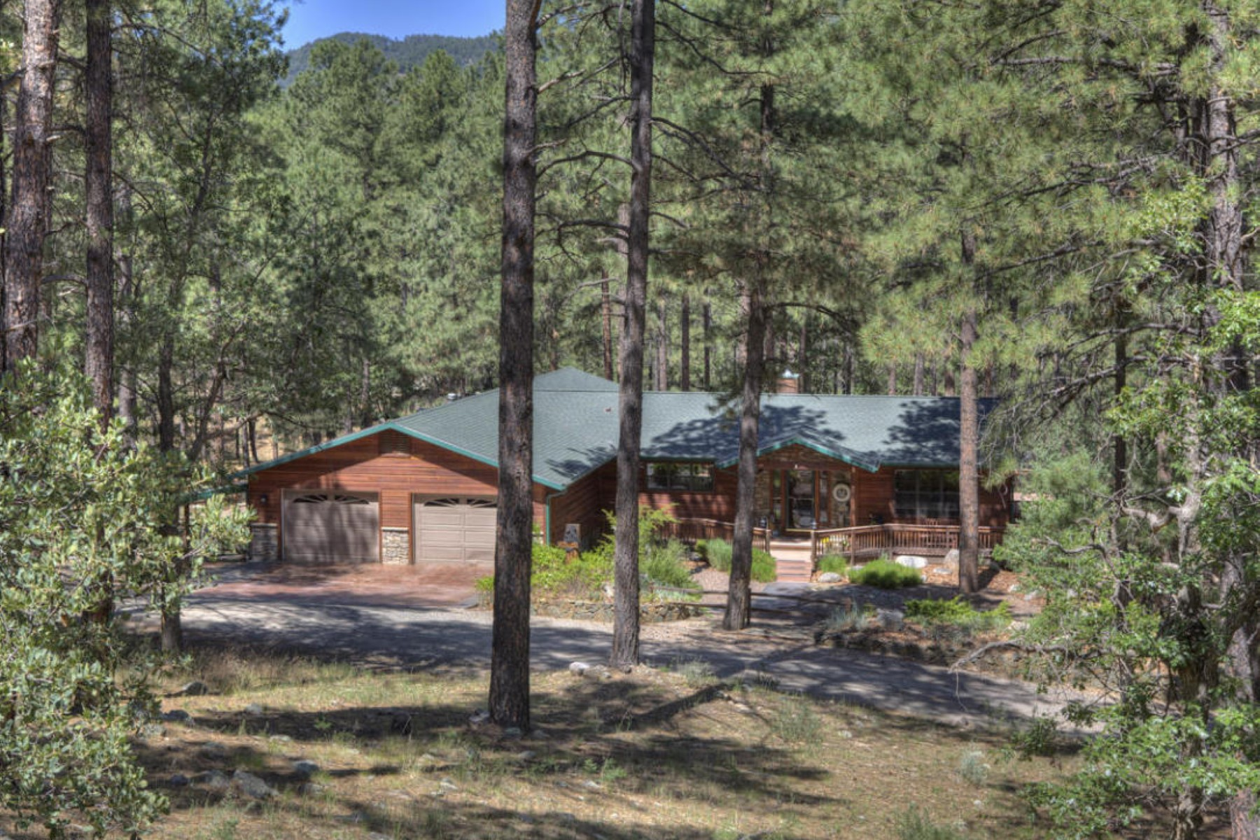 Property For Sale at Luxurious cabin with guest quarters