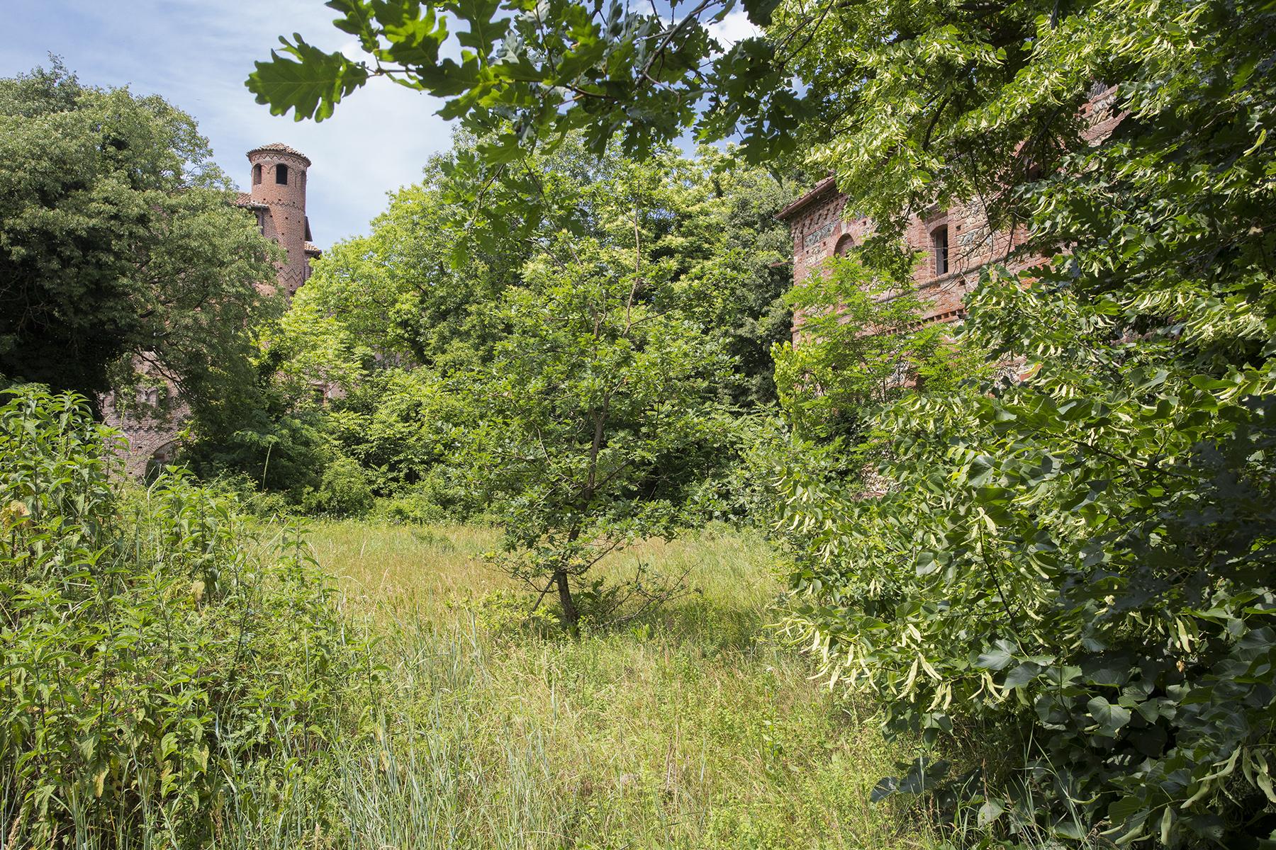 Additional photo for property listing at Farmhouse in the Gavi hills Strada di Monterotondo Gavi Novi Ligure, Alessandria 15060 Italy