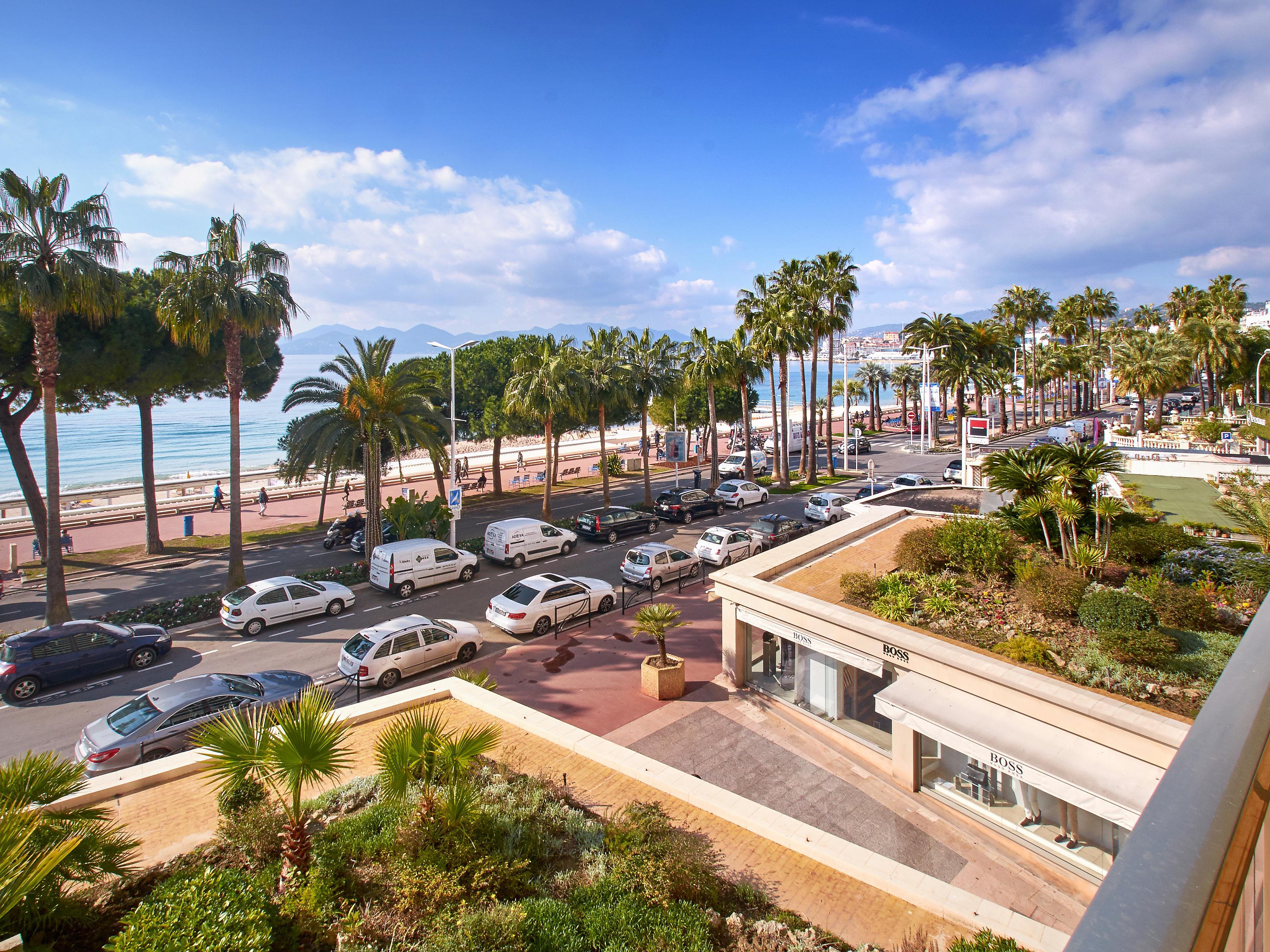 公寓 为 销售 在 Luxurious 3 roomed apartment with panoramic sea views Cannes, 普罗旺斯阿尔卑斯蓝色海岸 06400 法国