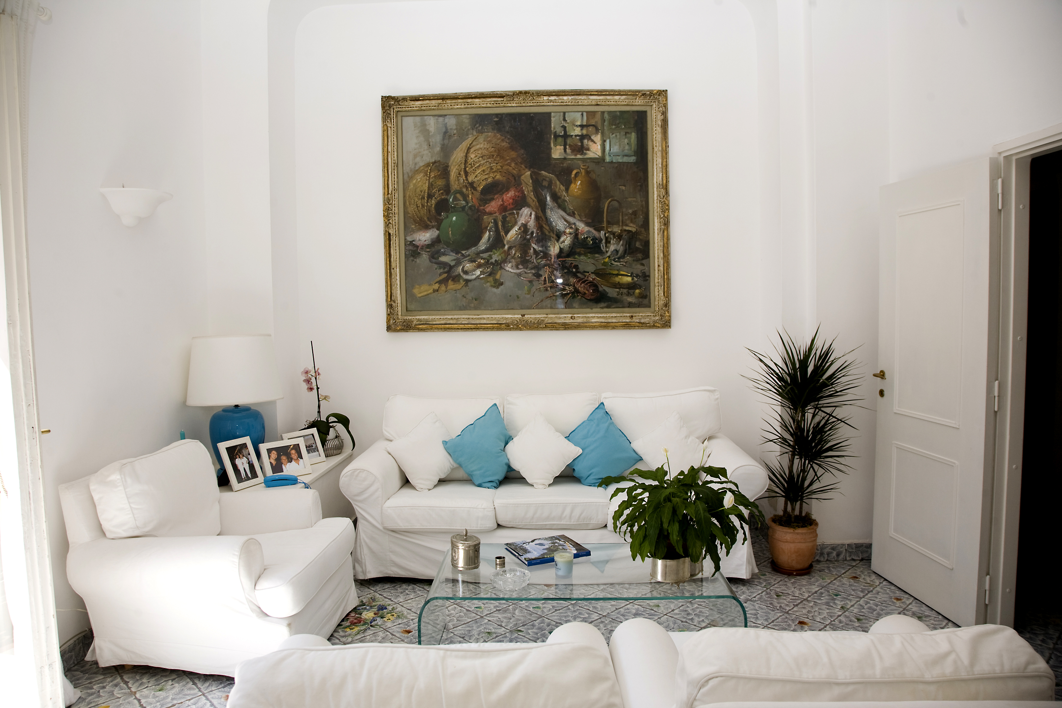 Additional photo for property listing at Beautiful apartment in Via Camerelle in Capri  Capri, Naples 80073 Italien