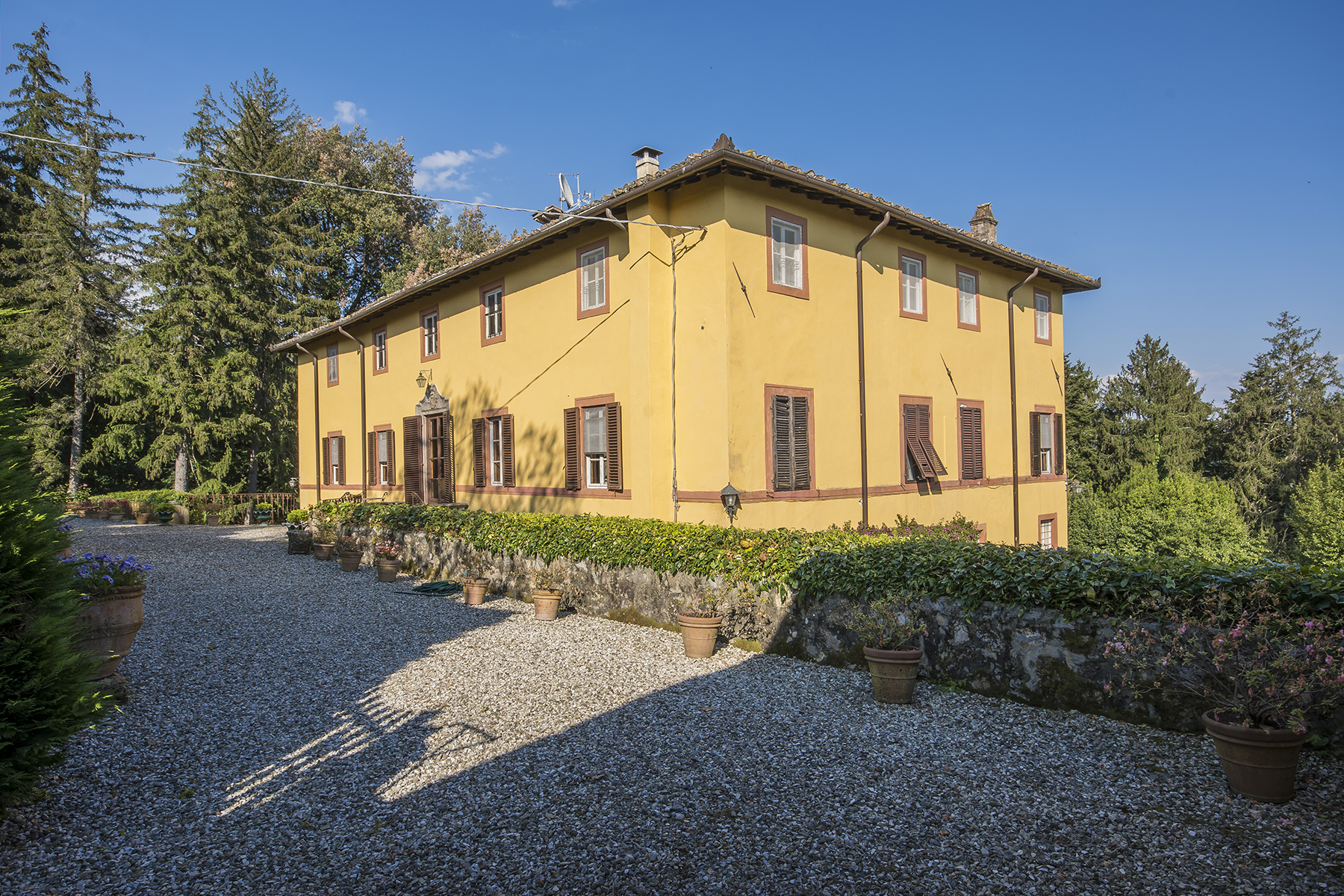 Additional photo for property listing at Splendid villa in the Lucca countryside Lucca, Lucca Italie