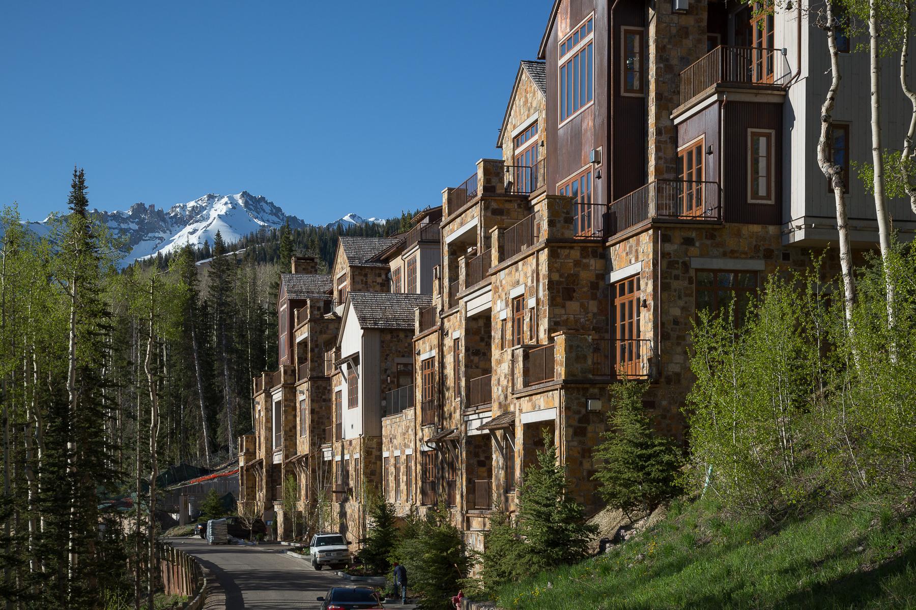 Condominio per Vendita alle ore Villas at Cortina 125 Cortina Drive 2 Telluride, Colorado 81435 Stati Uniti