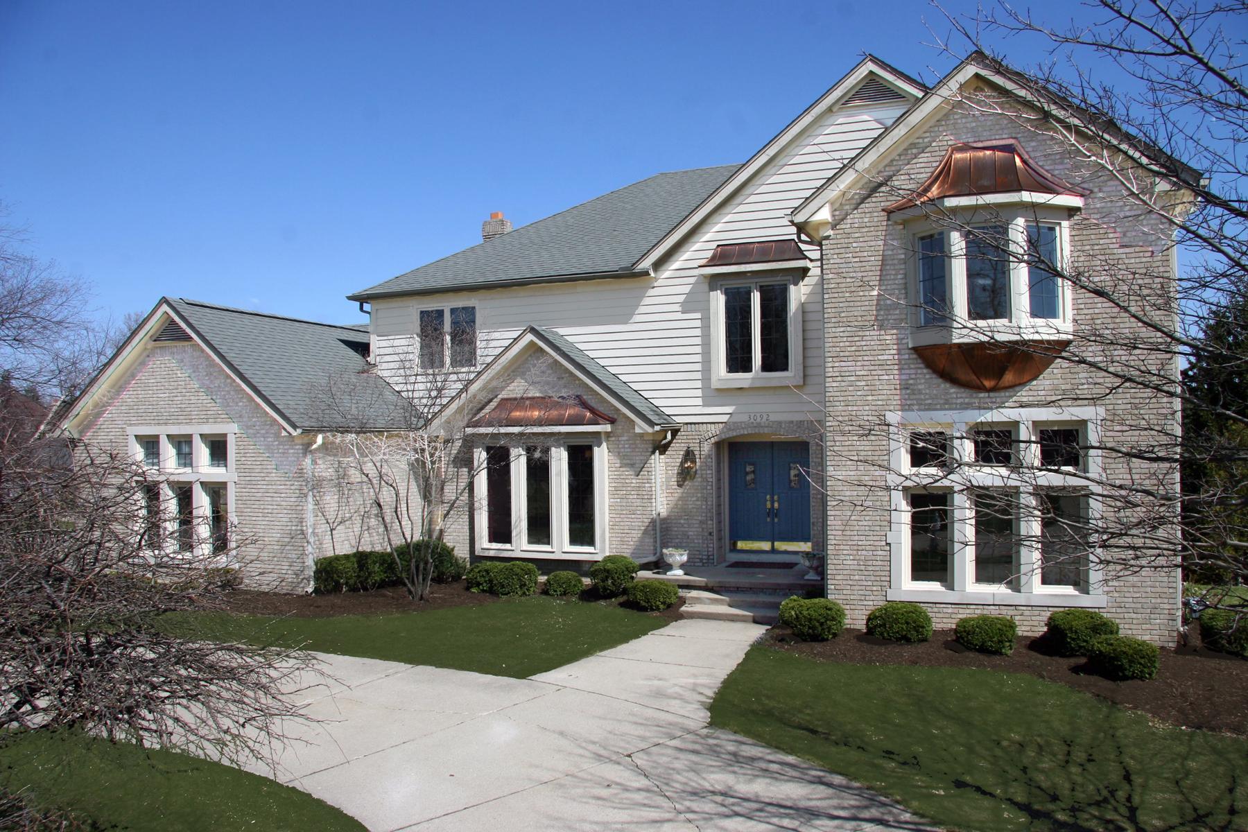Maison unifamiliale pour l Vente à Bloomfield 3092 Woodcreek Way Bloomfield, Michigan, 48304 États-Unis