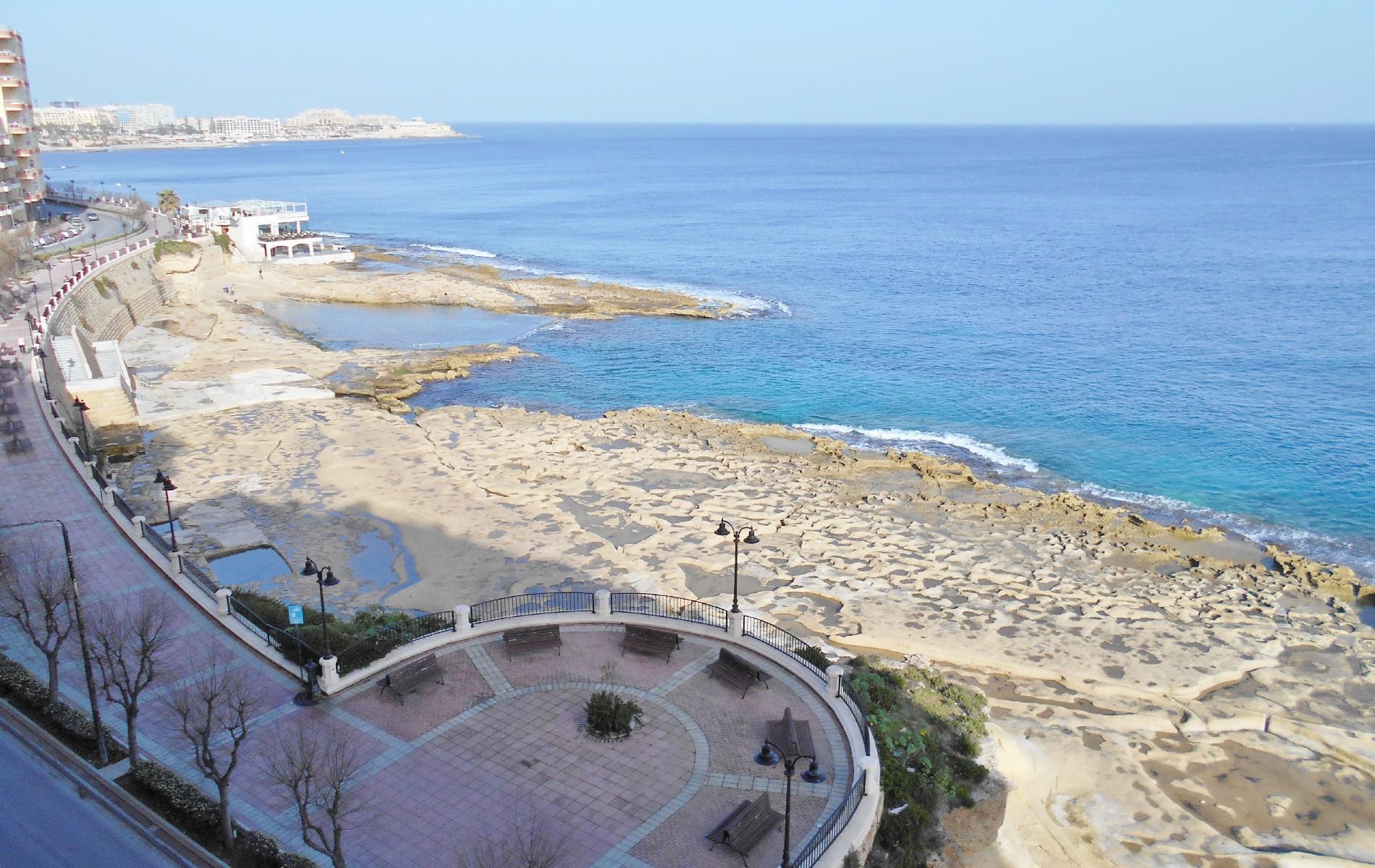 아파트 용 매매 에 Seafront Apartment Sliema, 몰타
