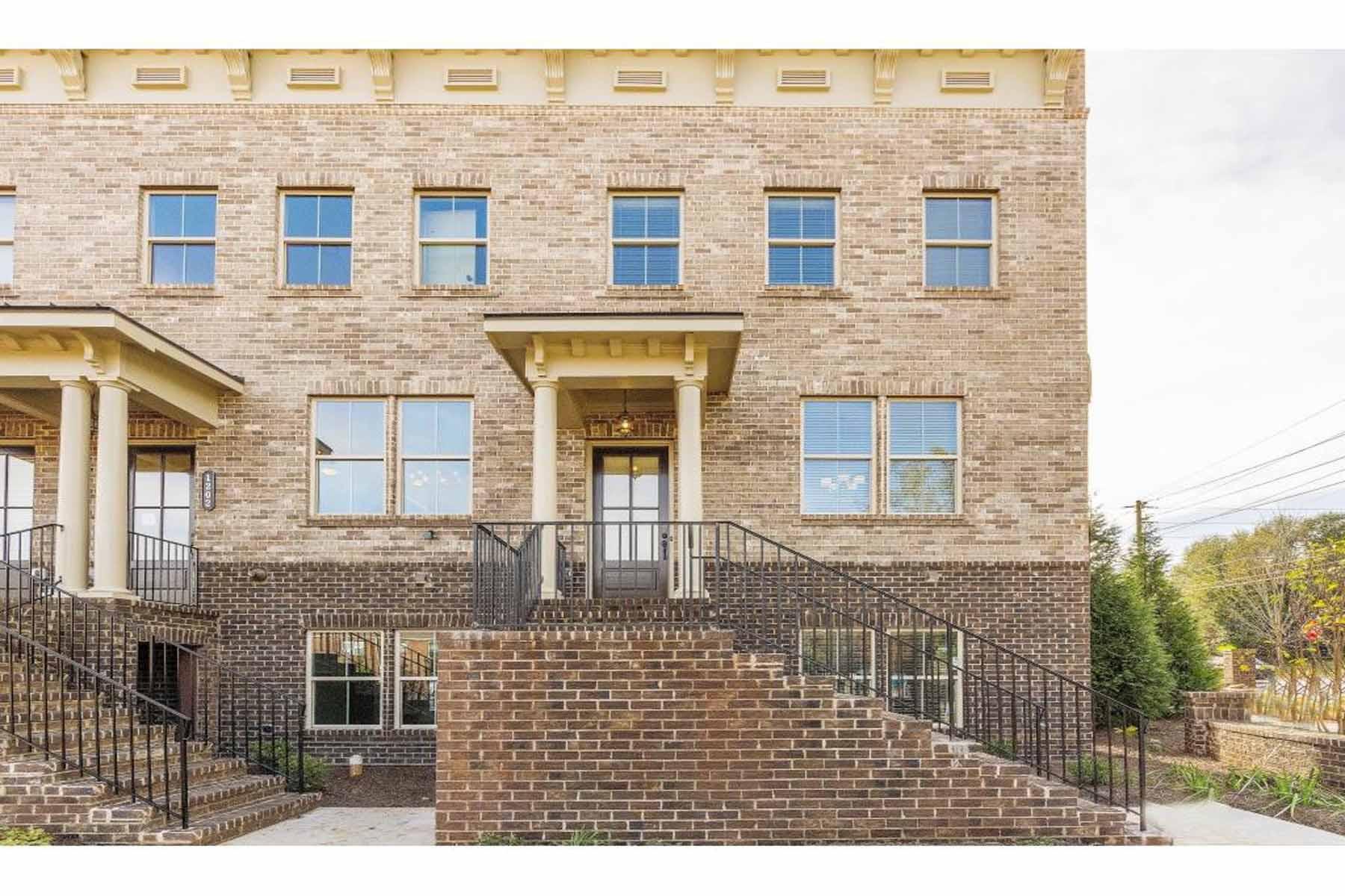 Частный односемейный дом для того Продажа на Brand New Luxury Townhomes near Emory 891 Briarliff Road NE Unit 312 Atlanta, Джорджия, 30306 Соединенные Штаты