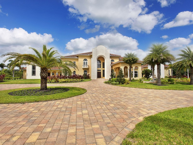 Single Family Home for Sale at 13607 Bella Ranch Lane Southwest Ranches, Florida 33330 United States