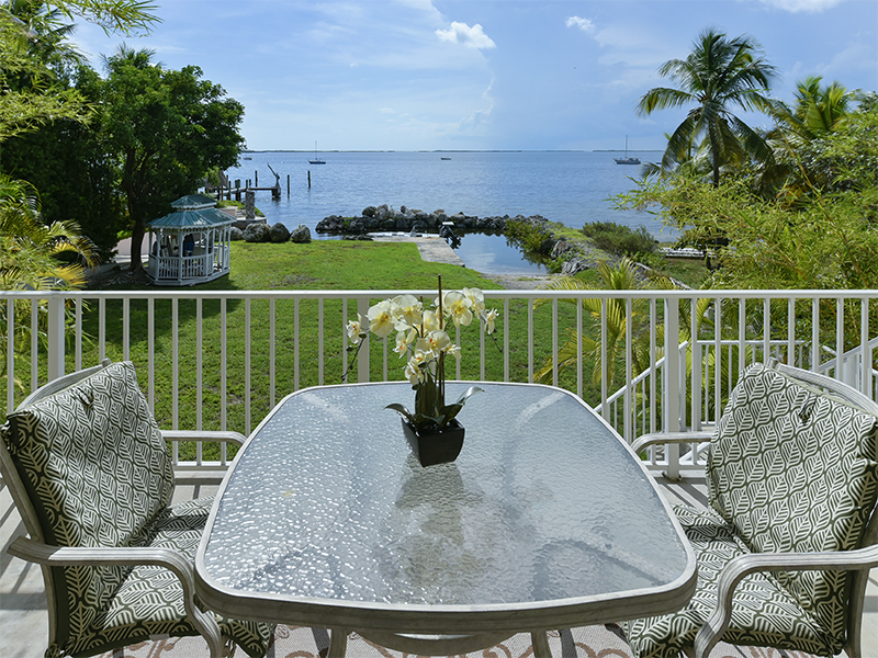 Additional photo for property listing at Breathtaking Bay Views 104 Point Pleasant Drive Key Largo, Florida 33037 États-Unis