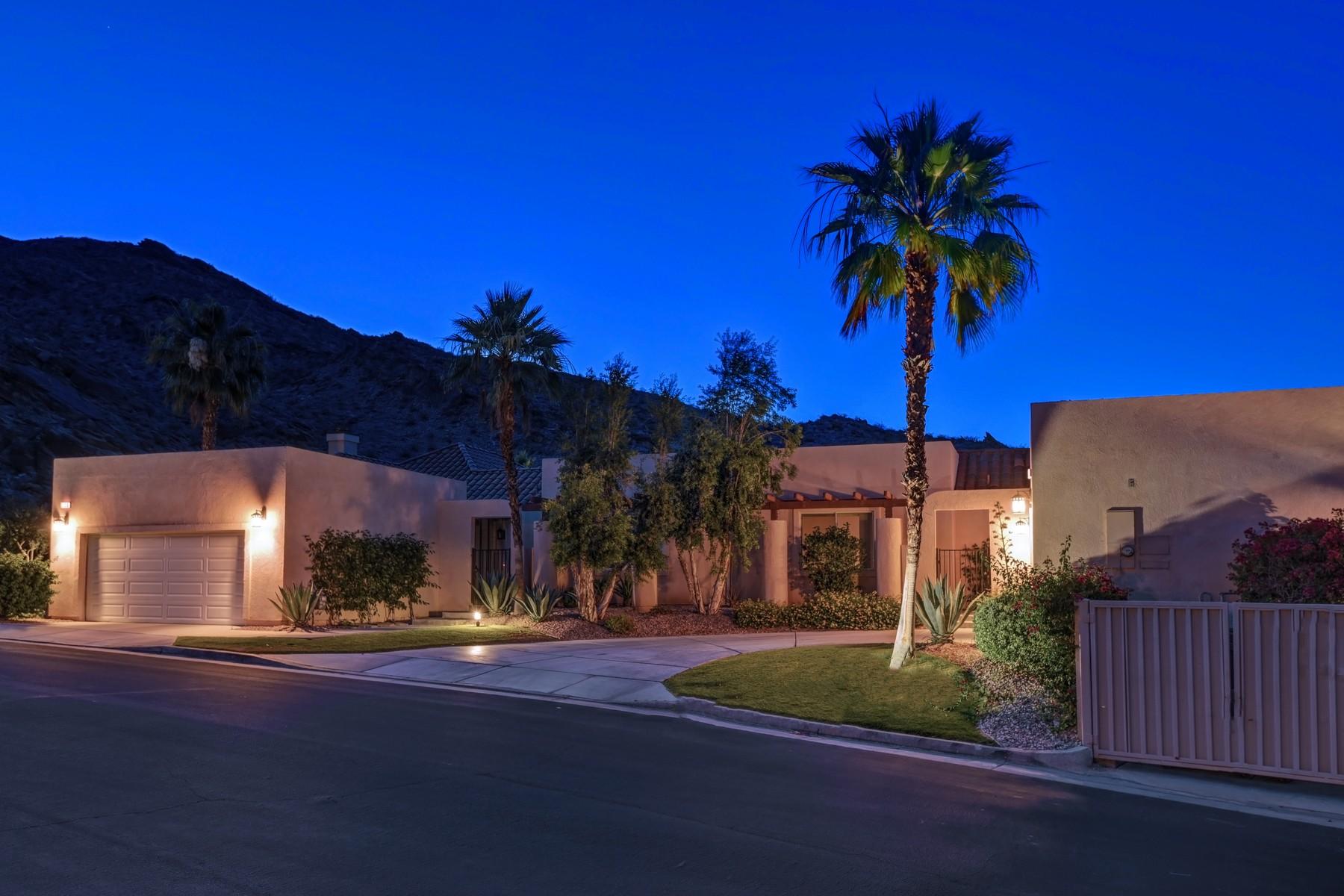共管式独立产权公寓 为 销售 在 224 Canyon Circle 棕榈泉, 加利福尼亚州, 92264 美国