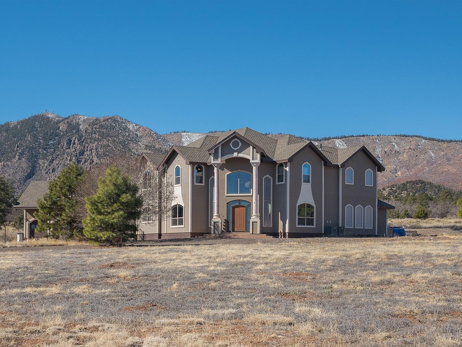 Villa per Vendita alle ore Custom Four Bedroom 5100 E Denali DR Flagstaff, Arizona 86004 Stati Uniti