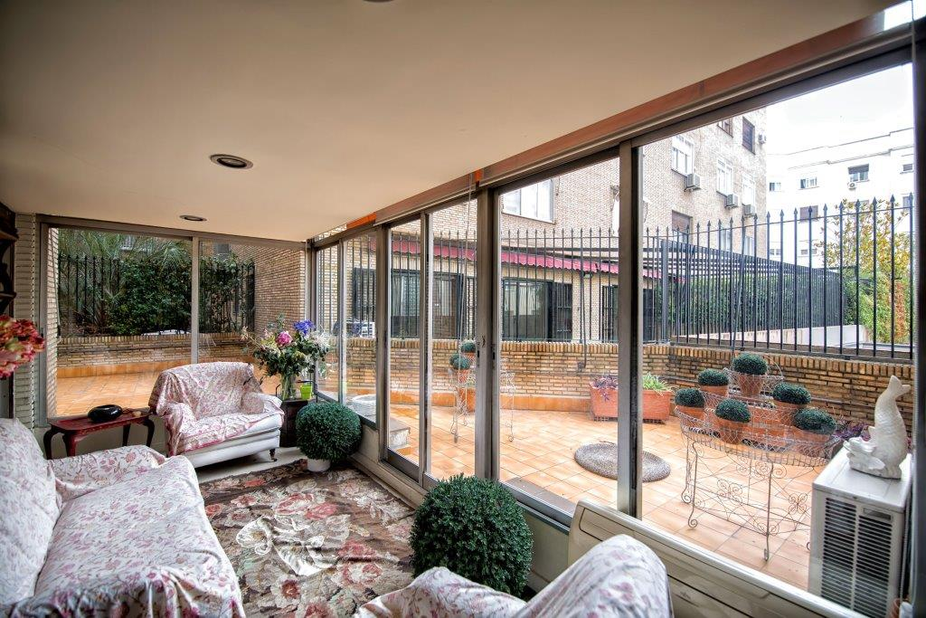 Apartment for Sale at Señorial piso en el Barrio de Salamanca Madrid, Madrid, Spain