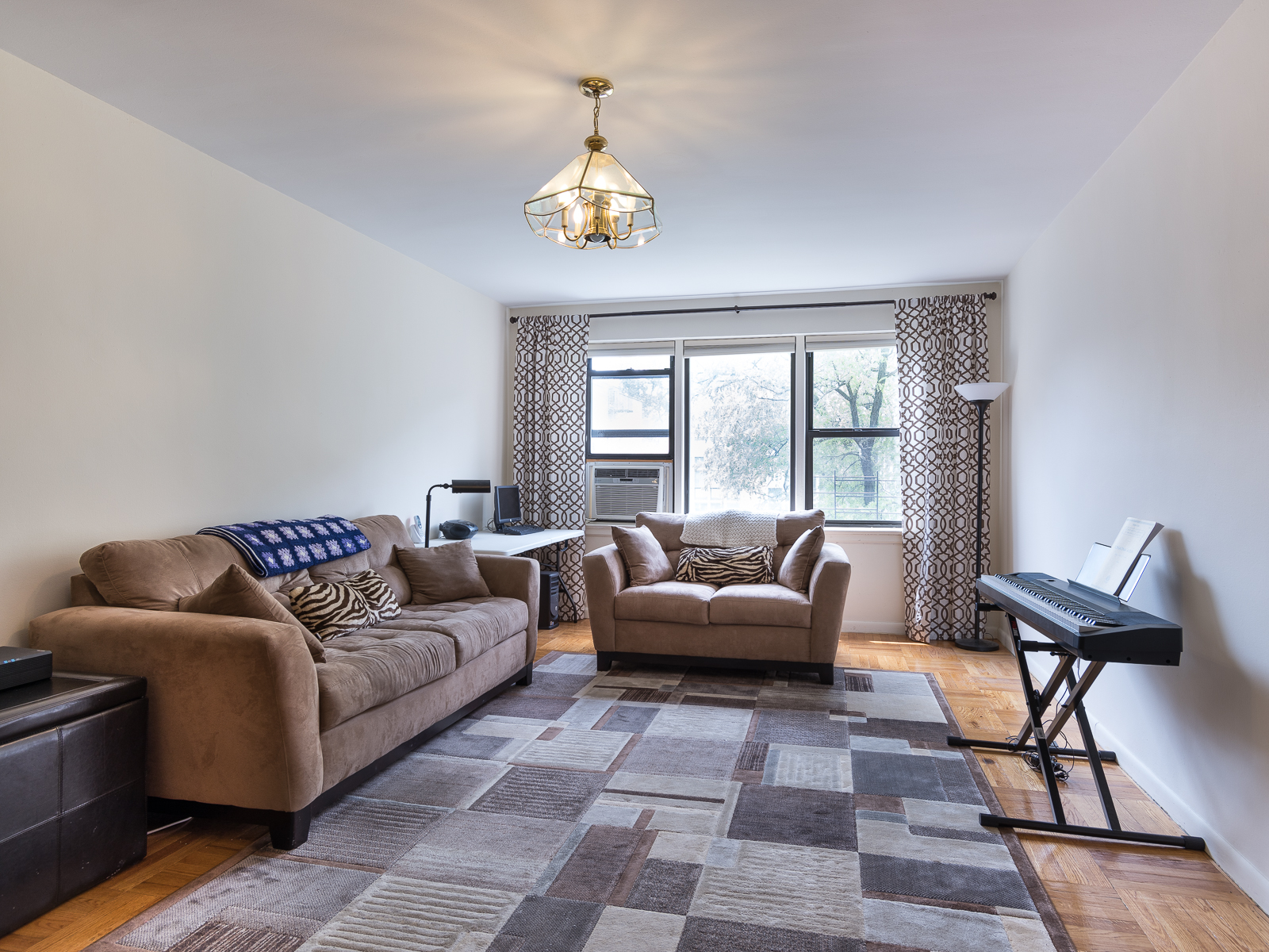 Co-op for Rent at Large and Bright 2 Bedroom 620 West 239 Street 5B Riverdale, New York 10463 United States