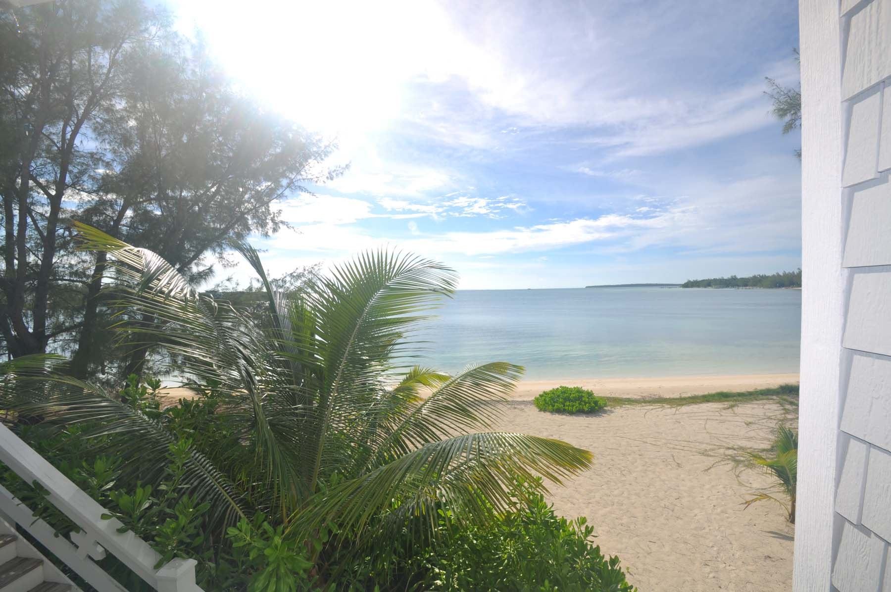 Additional photo for property listing at Creme De La Coco Green Turtle Cay, Abaco Bahamas