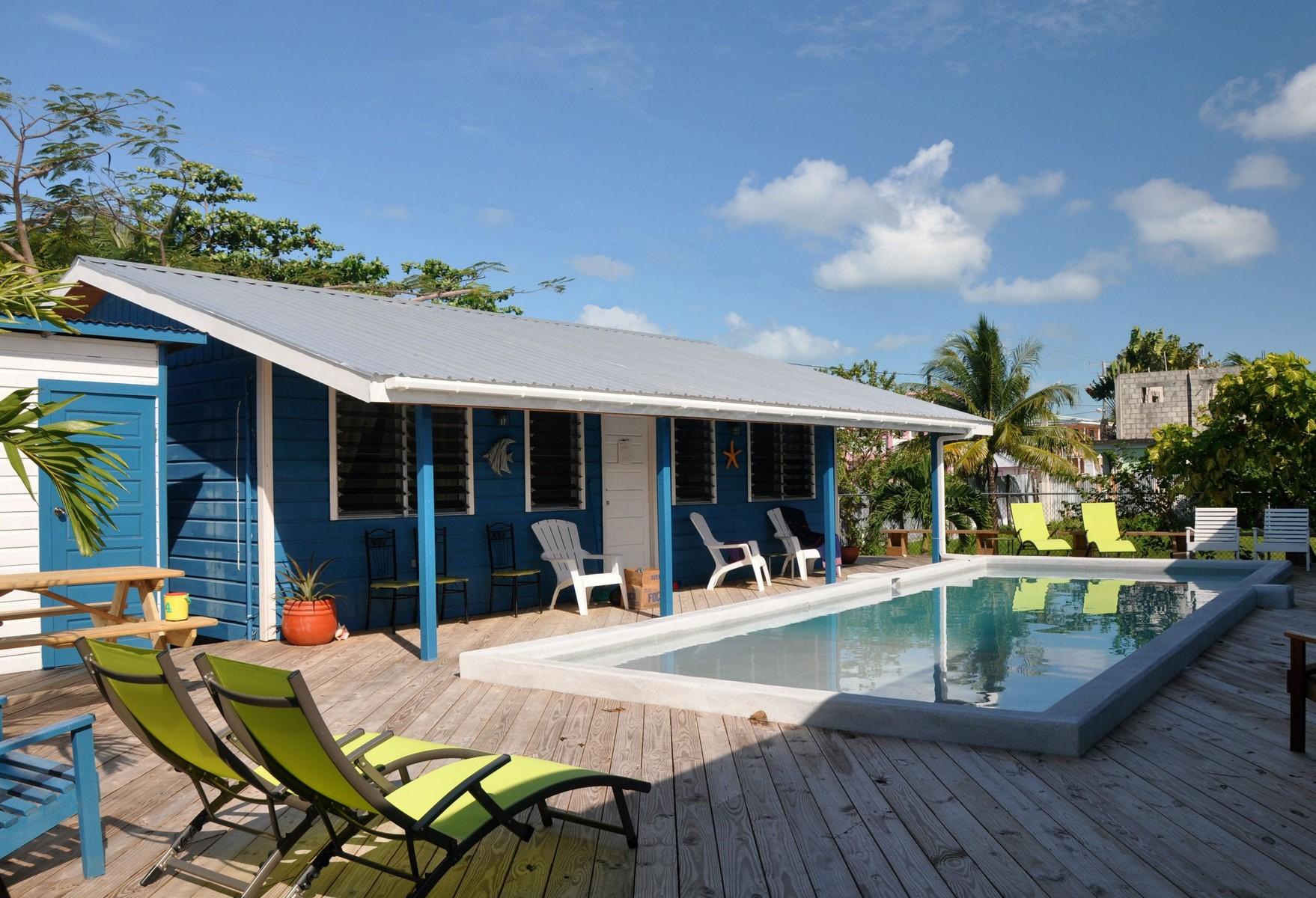 Casa multifamiliare per Vendita alle ore Caye Caulker Cabana's Caye Caulker, Belize, Belize