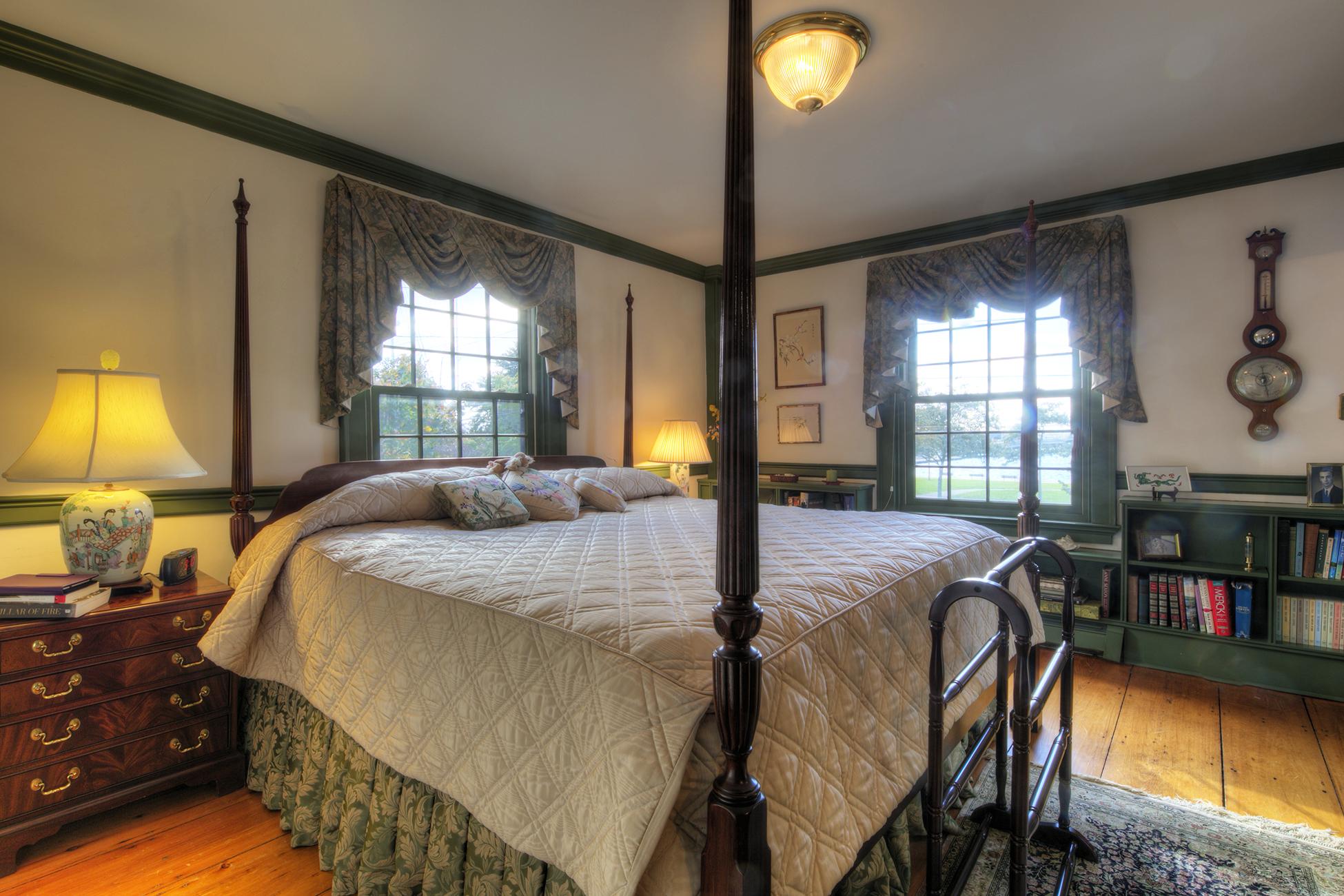 Additional photo for property listing at The John Bigelow House 41 Washington Street Newport, Rhode Island 02840 Estados Unidos