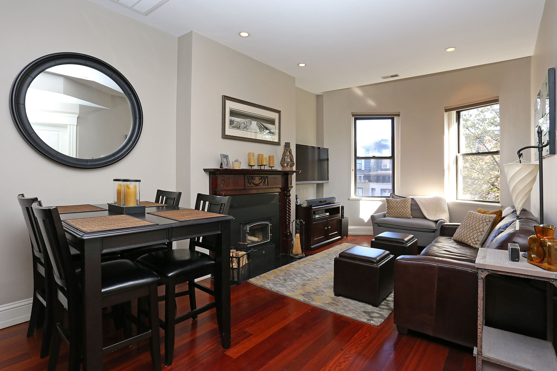 Condomínio para Venda às South End Condominium 146 Worcester Street Unit 4 South End, Boston, Massachusetts 02118 Estados Unidos