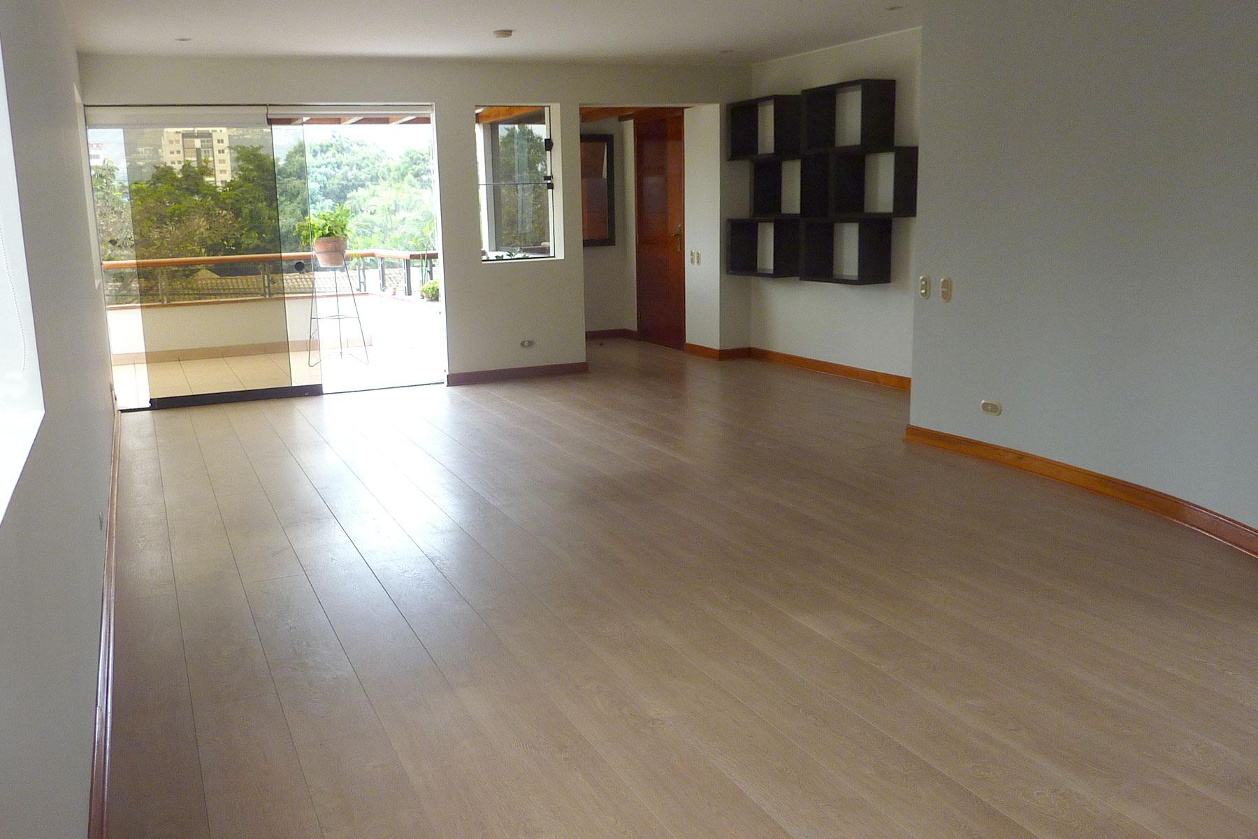 Property Of Lindo departamento muy iluminado, ubicado en una zona muy tranquila de Surco