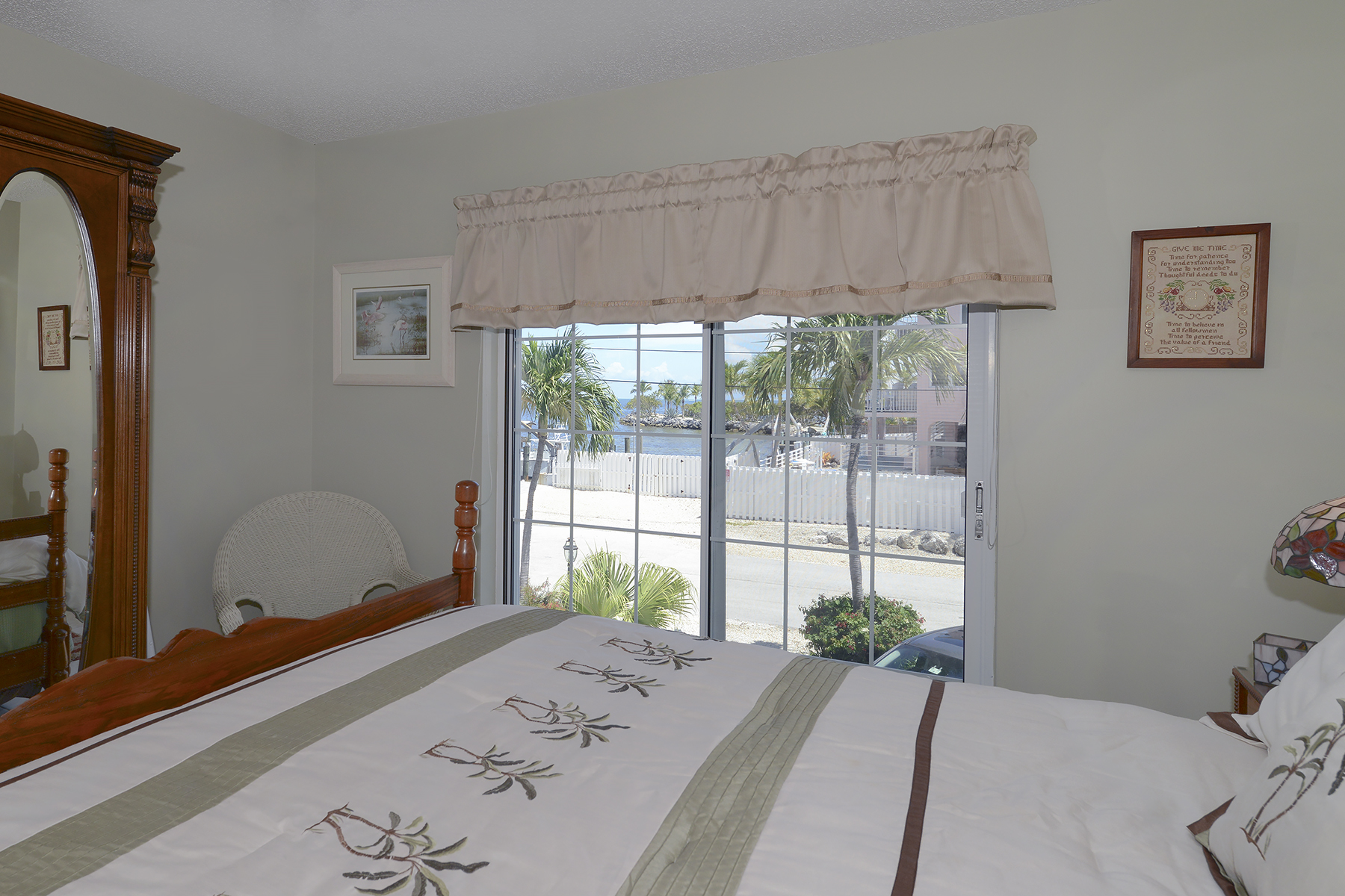 Additional photo for property listing at Sweeping Ocean Views 84 Seagate Blvd Key Largo, Florida 33037 Usa