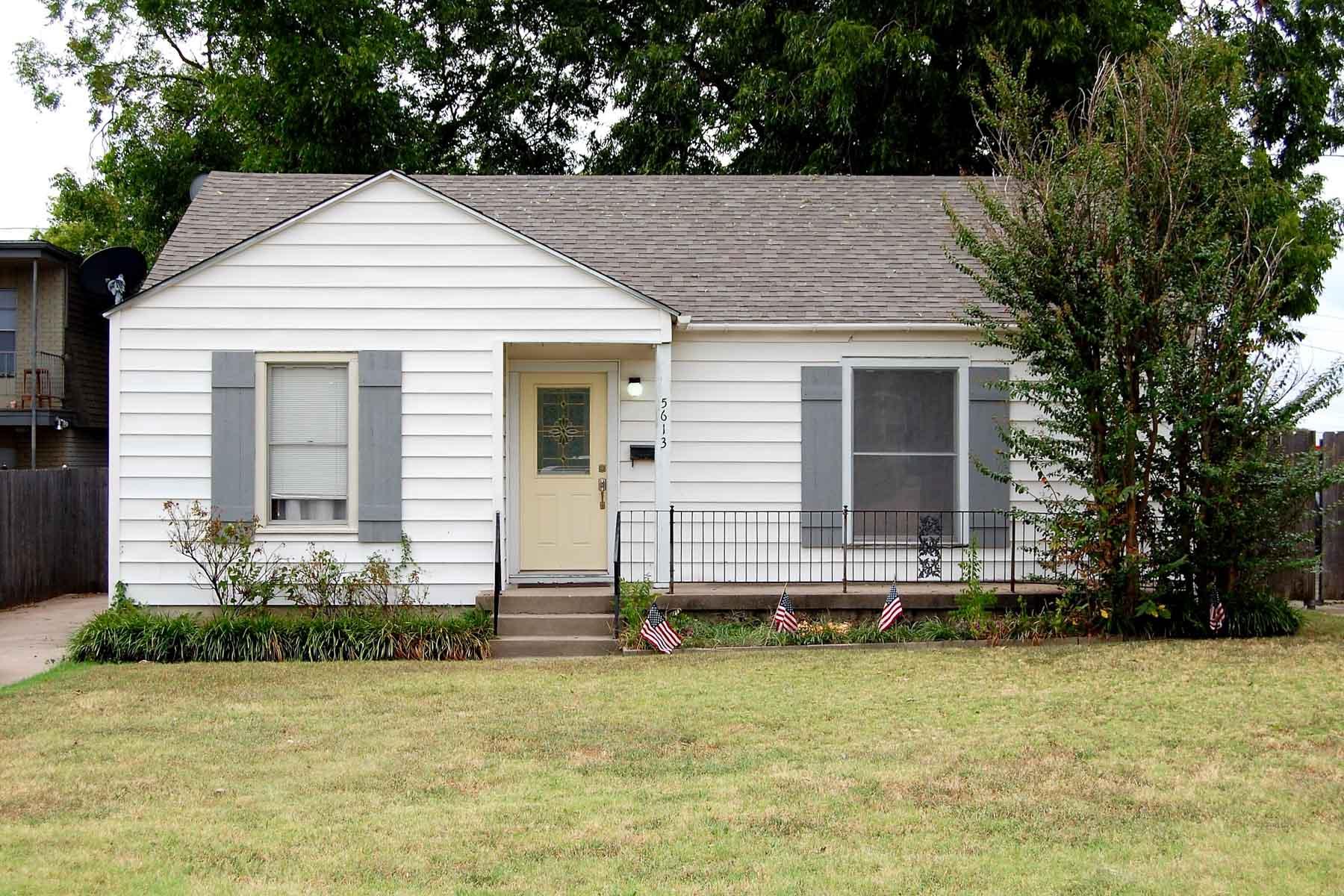 Moradia para Venda às Charming Cottage in Arlington Heights 5613 Birchman Ave. Fort Worth, Texas, 76107 Estados Unidos