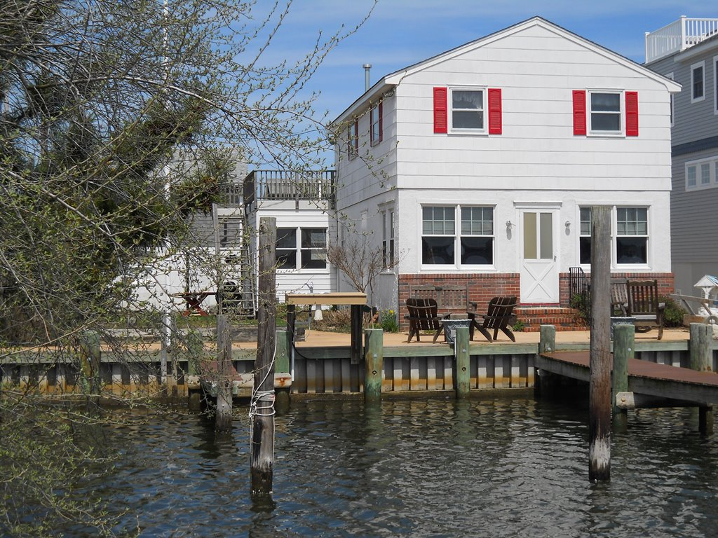 Property For Sale at COTTAGE ON THE COVE
