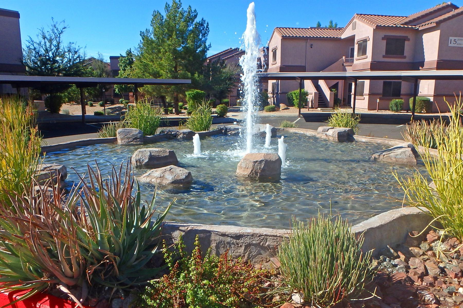 Wohnung für Verkauf beim Quiet elegance in this superbly located unit 9555 E Raintree Dr #2014 Scottsdale, Arizona 85260 Vereinigte Staaten