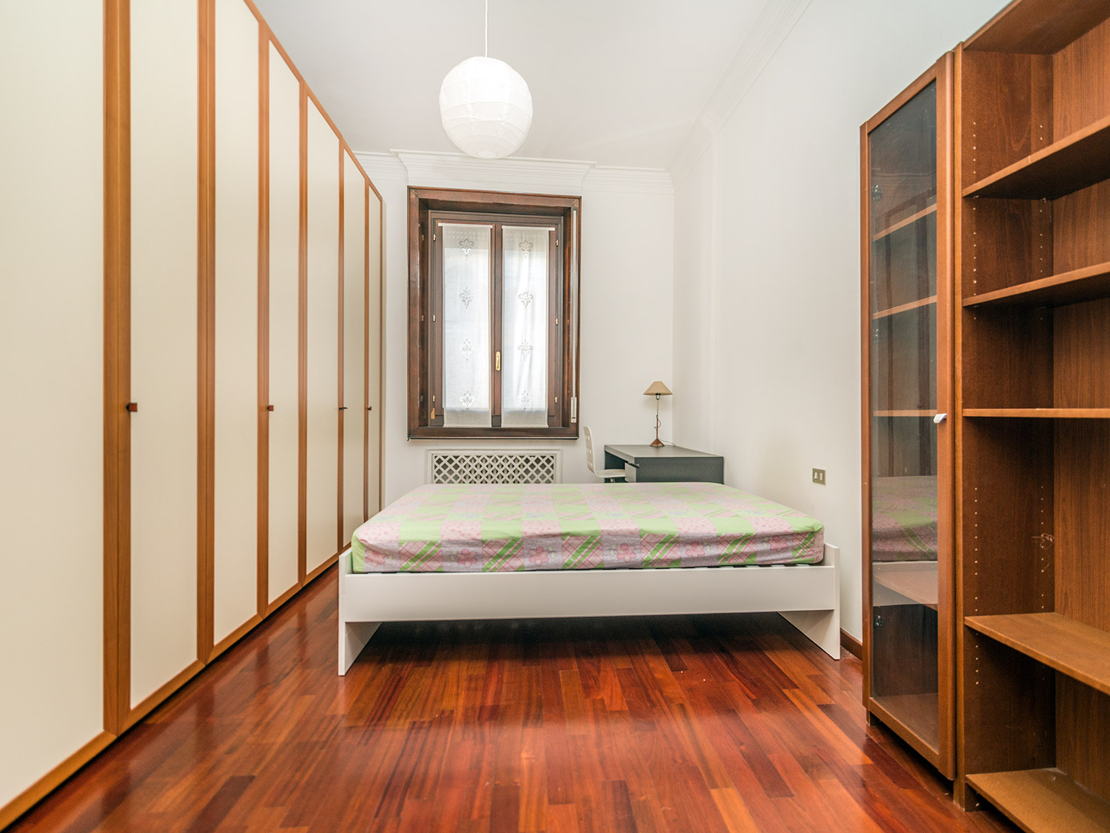 Additional photo for property listing at Charming apartment in prestigious building Piazza Duse Milano, Milan 20122 Italie