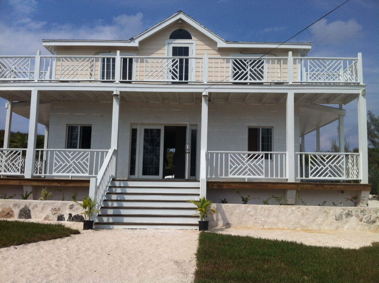 Additional photo for property listing at Eco-Friendly Home in Rainbow Bay Rainbow Bay, Eleuthera Bahamas