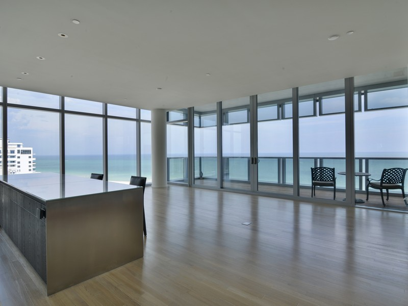 Piso por un Venta en Edition Residences 2901 Collins Ave # 1402 Miami Beach, Florida 33140 Estados Unidos