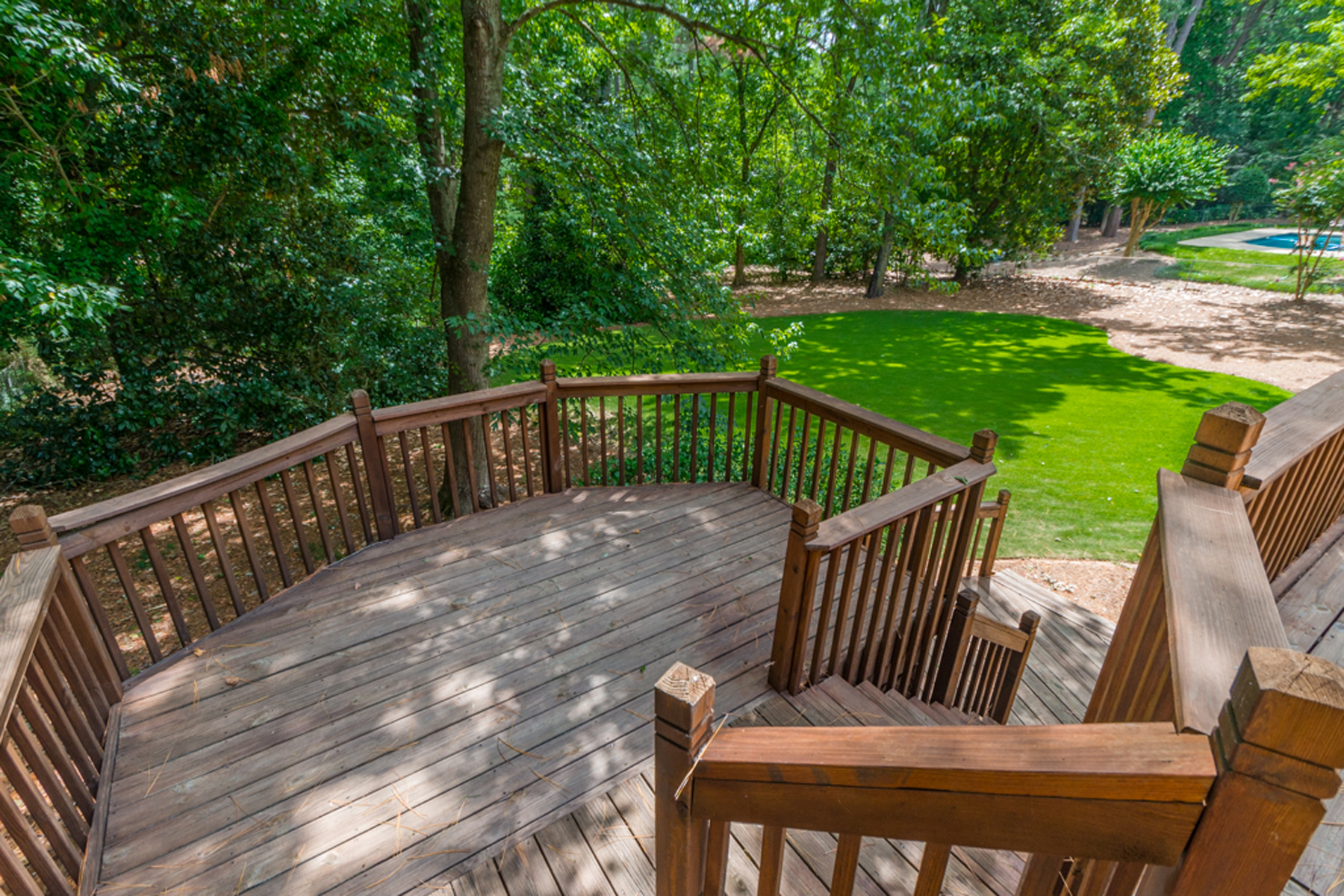 Additional photo for property listing at Large Home In Sought After Riverside 6185 Old Hickory Point Sandy Springs, Georgia 30328 Hoa Kỳ