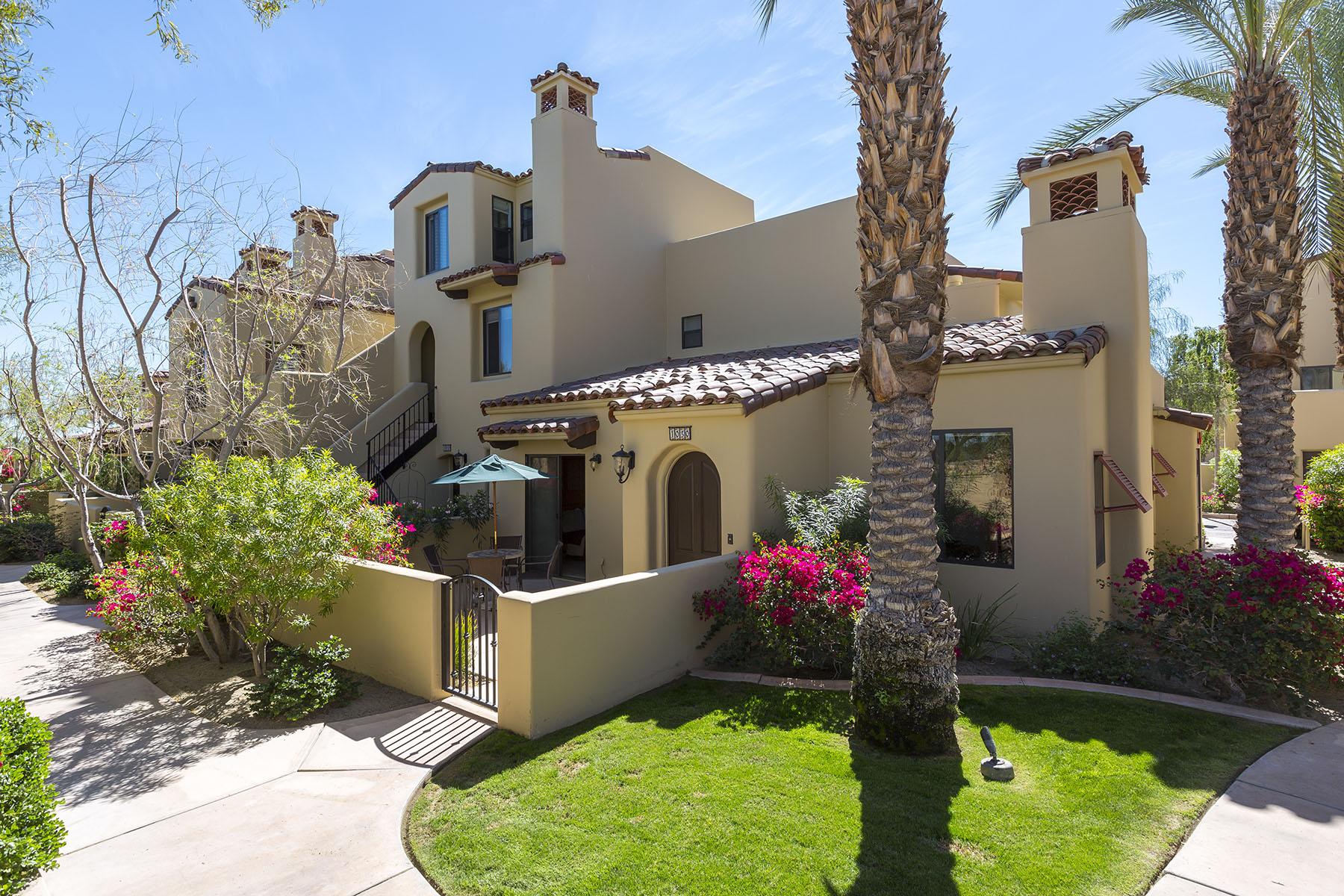 Copropriété pour l Vente à 1030 Villorrio Dr N 1030 Villorrio Dr #N Palm Springs, Californie, 92262 États-Unis