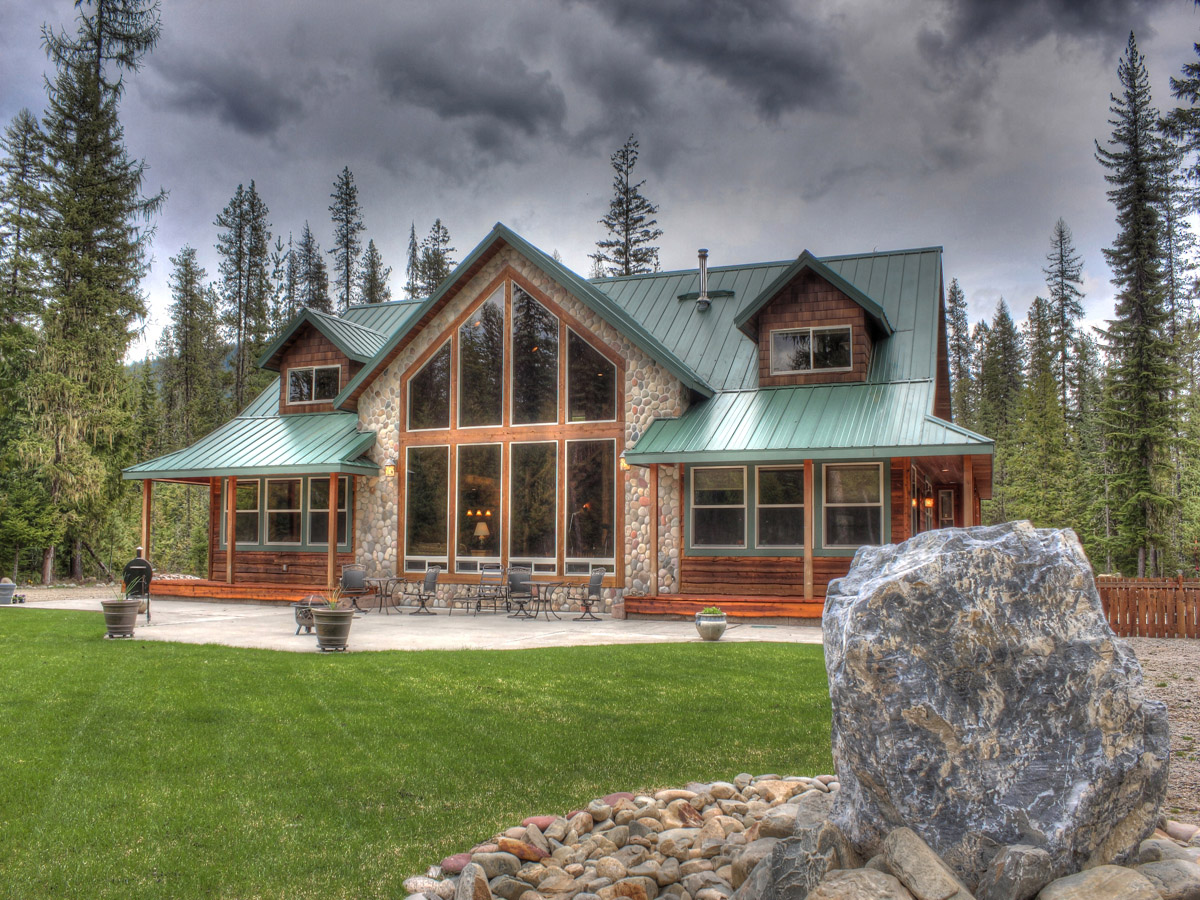 Property For Sale at Lodge Style Home
