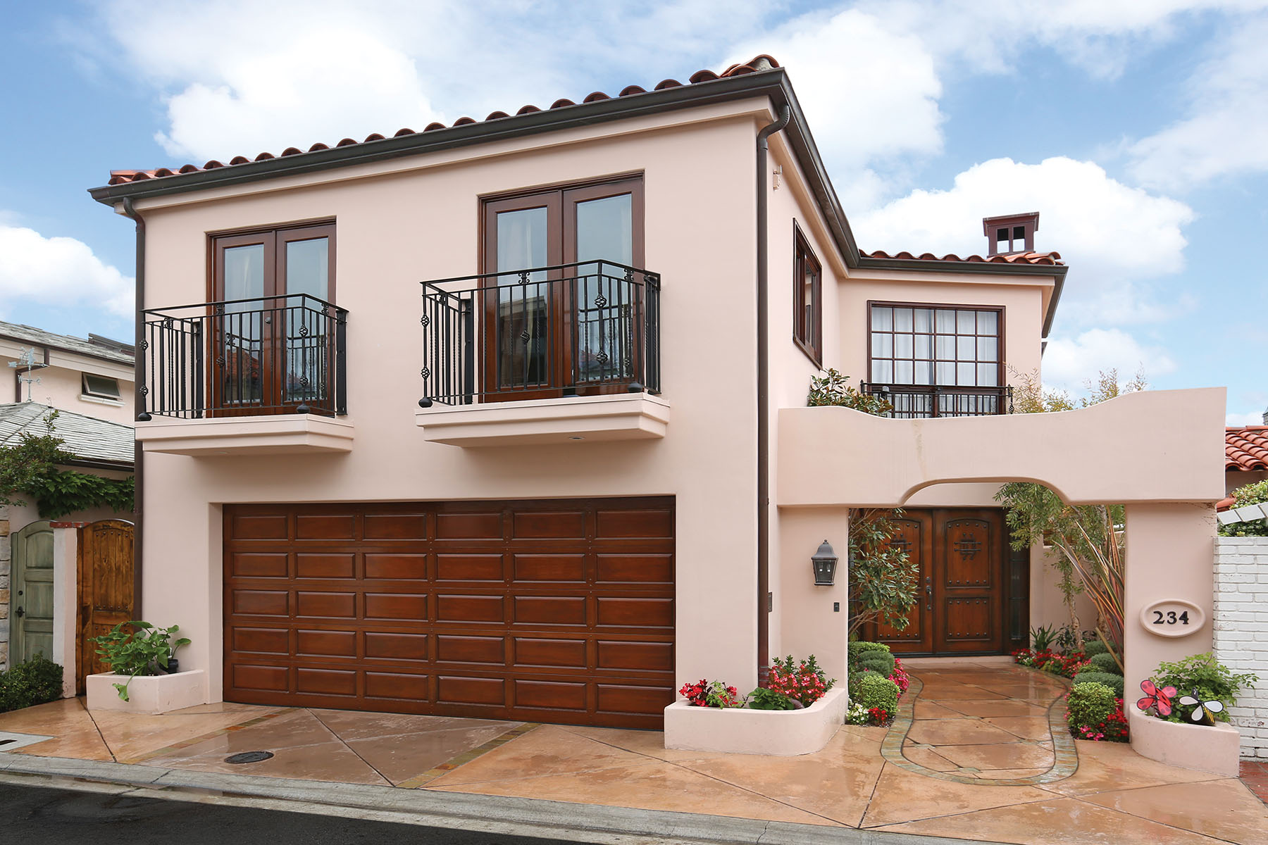 Single Family Home for Sale at 234 Via Graziana Newport Beach, California 90663 United States