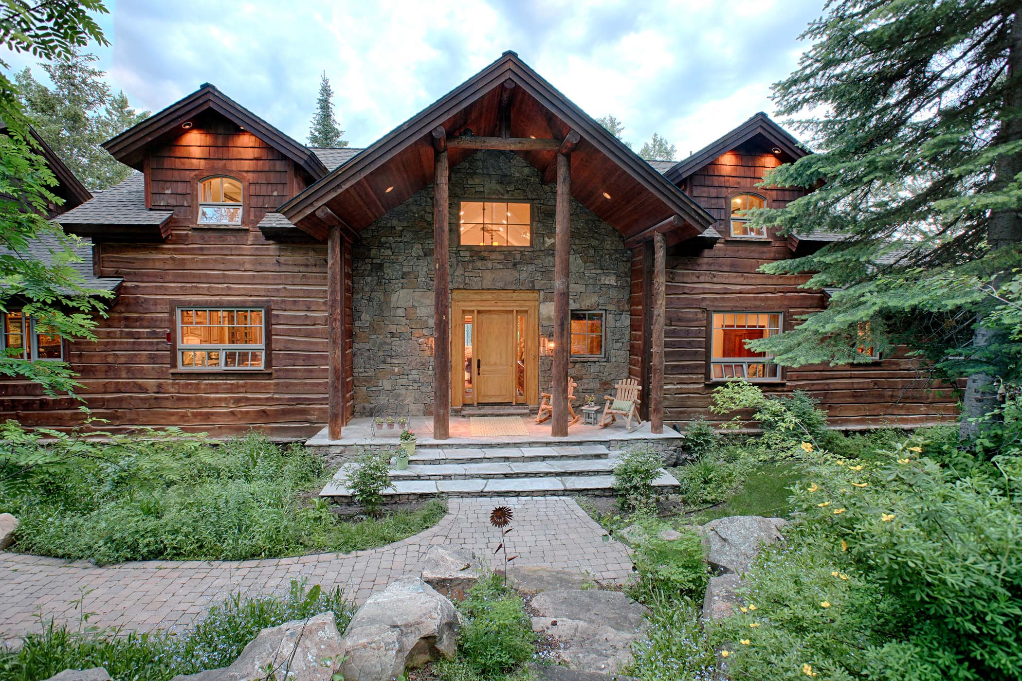 獨棟家庭住宅 為 出售 在 Secluded Mountain Home in Teton Valley 10275 Tabby Trail Victor, 愛達荷州, 83455 Jackson Hole, 美國