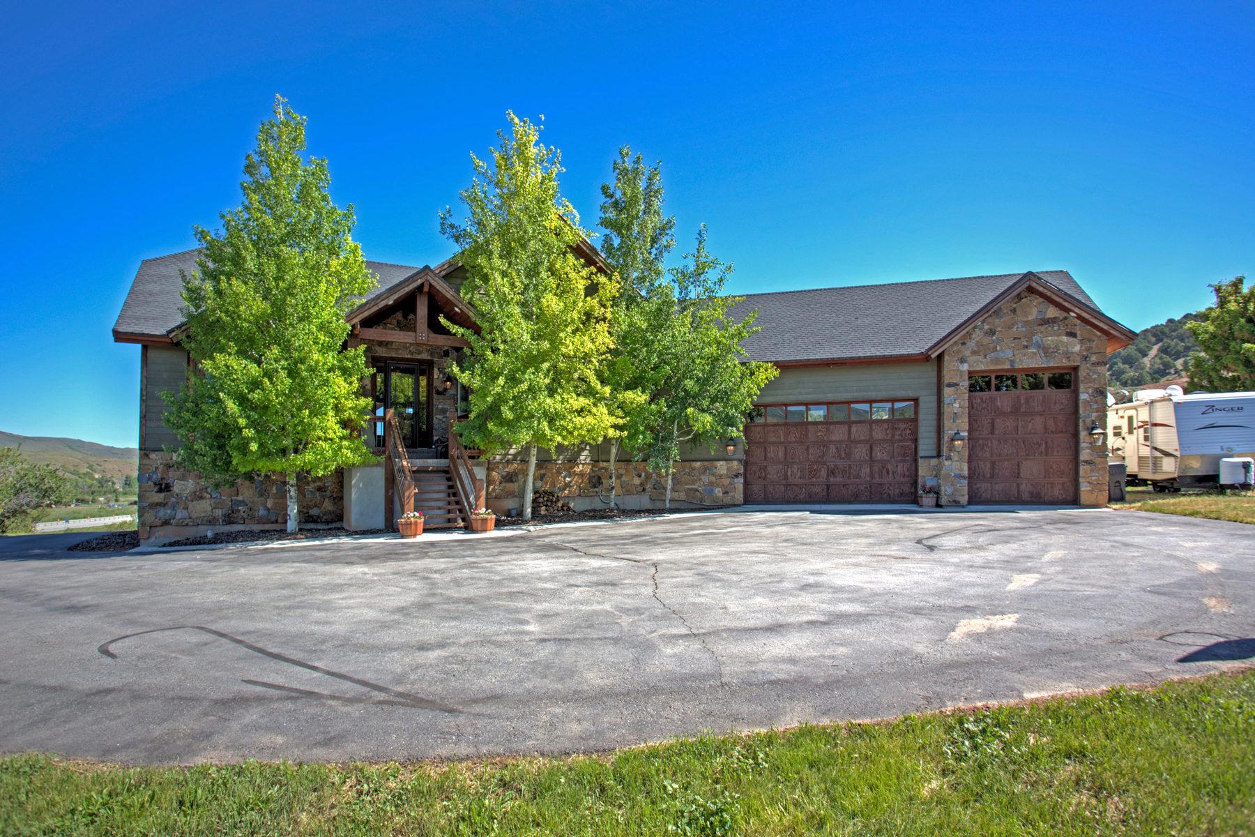 独户住宅 为 销售 在 Refined Mountain Living on 1.87 Acres 1761 S Hoytsville Rd Coalville, 犹他州 84017 美国