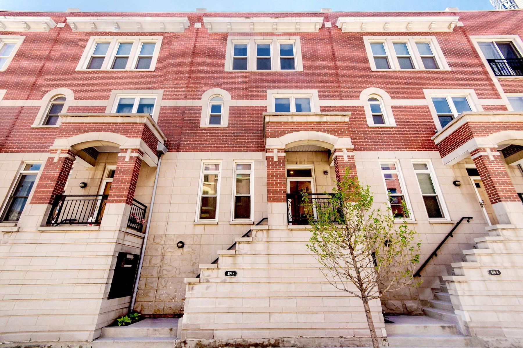 Casa Unifamiliar Adosada por un Venta en Contemporary Sexton Rowhouse 419 W Grand Avenue #B Near North Side, Chicago, Illinois 60654 Estados Unidos