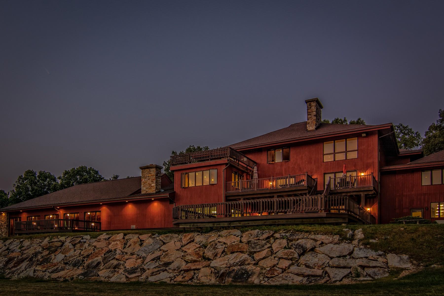 Частный односемейный дом для того Продажа на Expansive Custom Built Contemporary 47 Memorial Drive Shrewsbury, Массачусетс, 01545 Соединенные Штаты