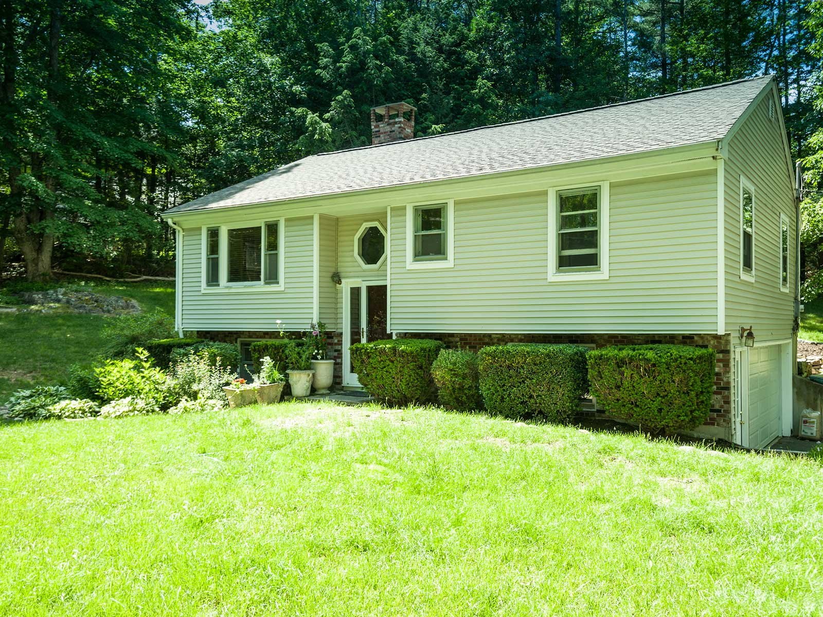 Single Family Home for Sale at York Raised Ranch 2 Ledgewood Drive York, Maine 03909 United States