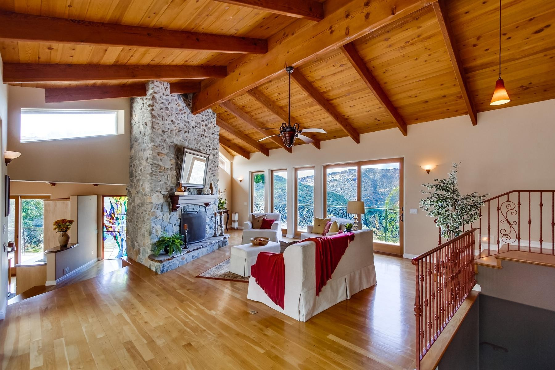Villa per Vendita alle ore 29225 Pamoosa Lane Valley Center, California 92028 Stati Uniti