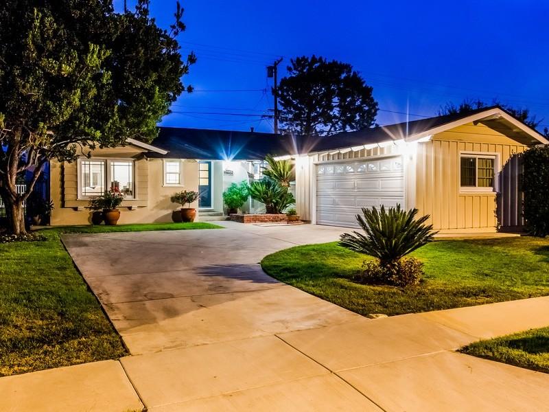 Maison unifamiliale pour l Vente à 27753 Hawthorne Blvd Rancho Palos Verdes, Californie 90275 États-Unis